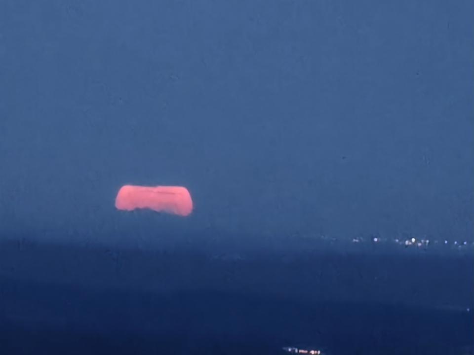 Lune et Canigou.jpg