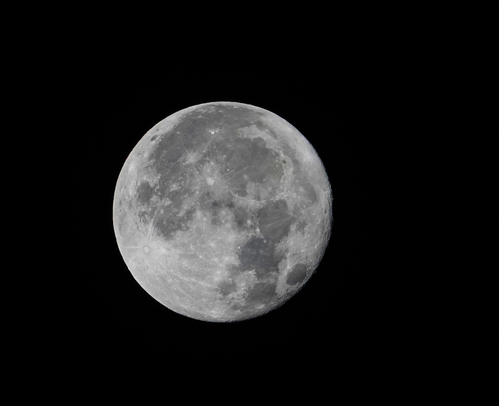 5d7dd1490f1c6_lune4.JPG.e25ebd0abfd7ce15a0adaf368ae33995.JPG