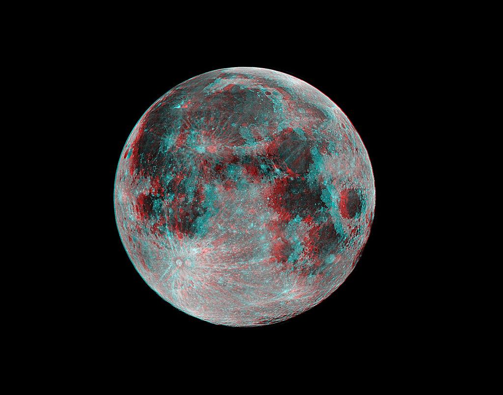 pleine lune en relief.jpg