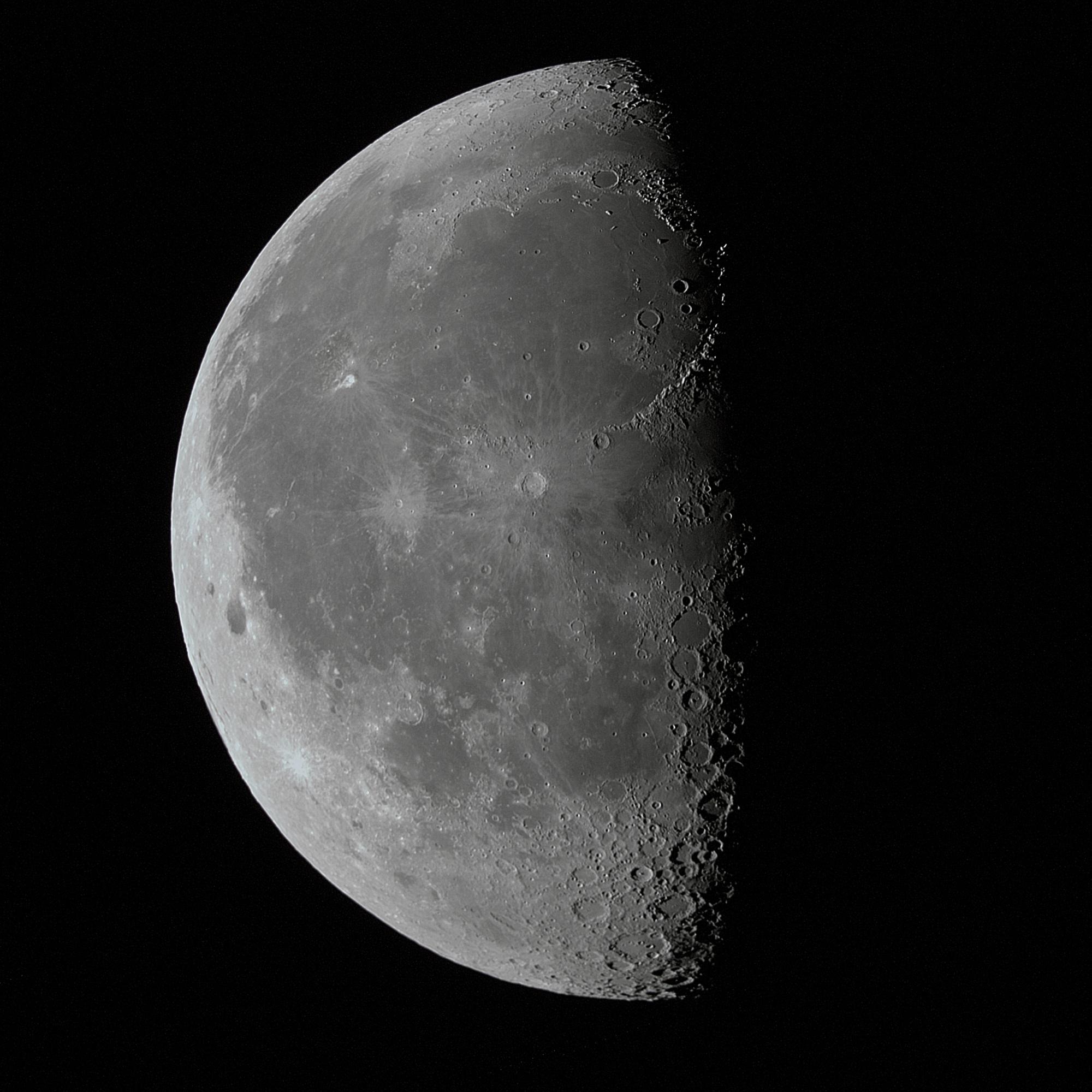Lune.thumb.jpg.3ce0d3b2cdfb6a17d77211ef9c94b00e.jpg