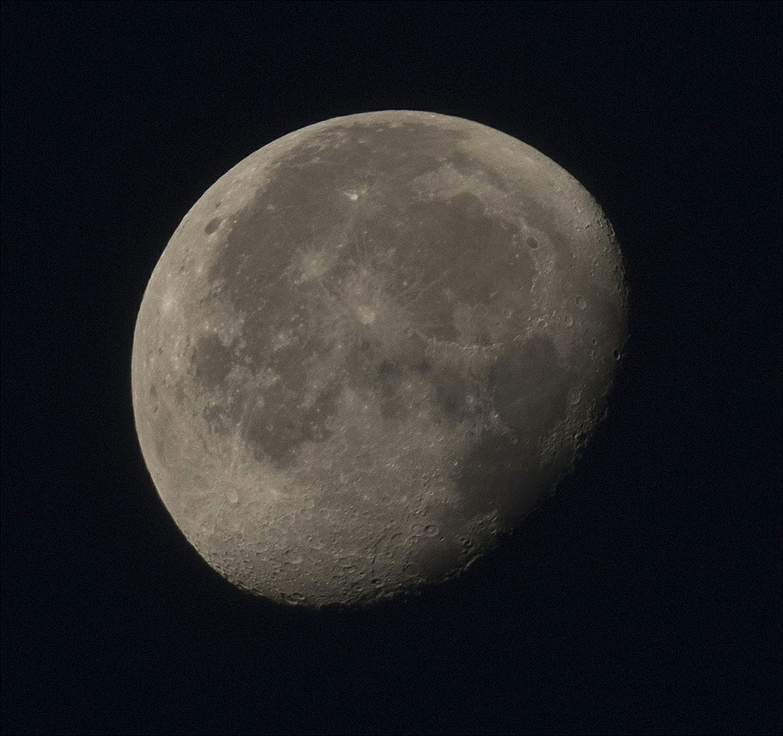 la lune le 18/09/2019 (41501raw/jpeg1R6 1)