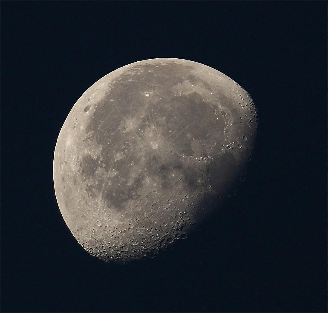 la lune le 19/09/2019 (41519 (OR R 6 1)