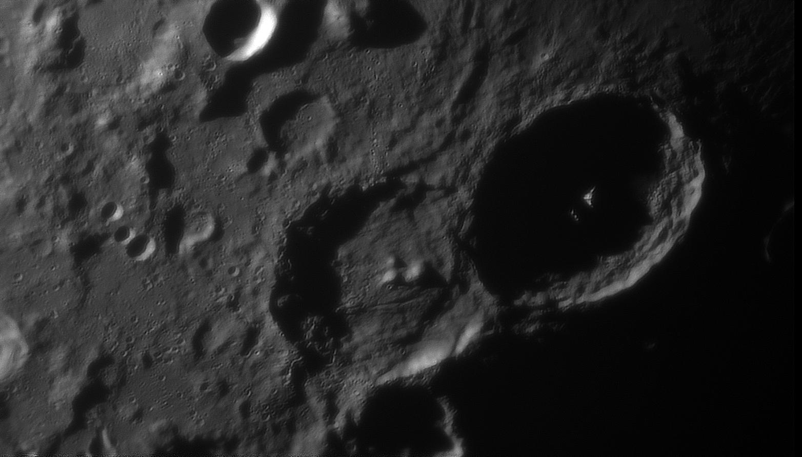 large.moon_19_09_2019_02_06_Theop.jpg.8e384a8f96f813e0614d43cc25c825c2.jpg