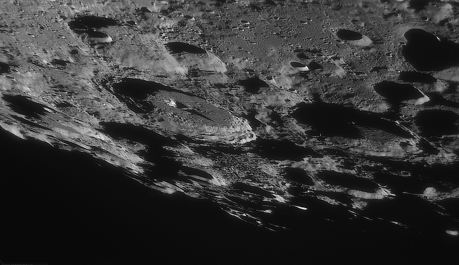 large.moon_20_09_2019_04_16_MORET.jpg.6c