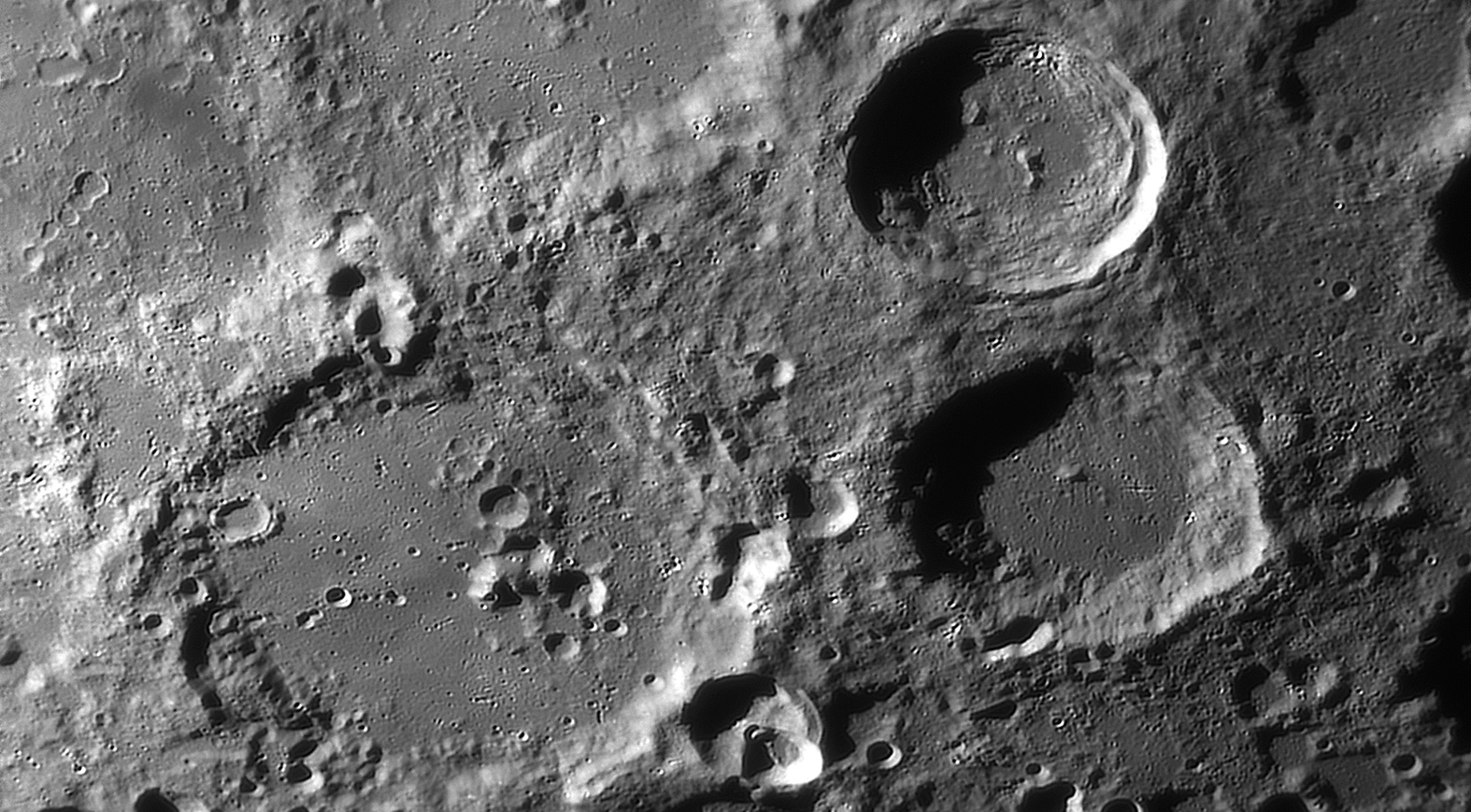 large.moon_20_09_2019_04_21_WALTH.jpg.86