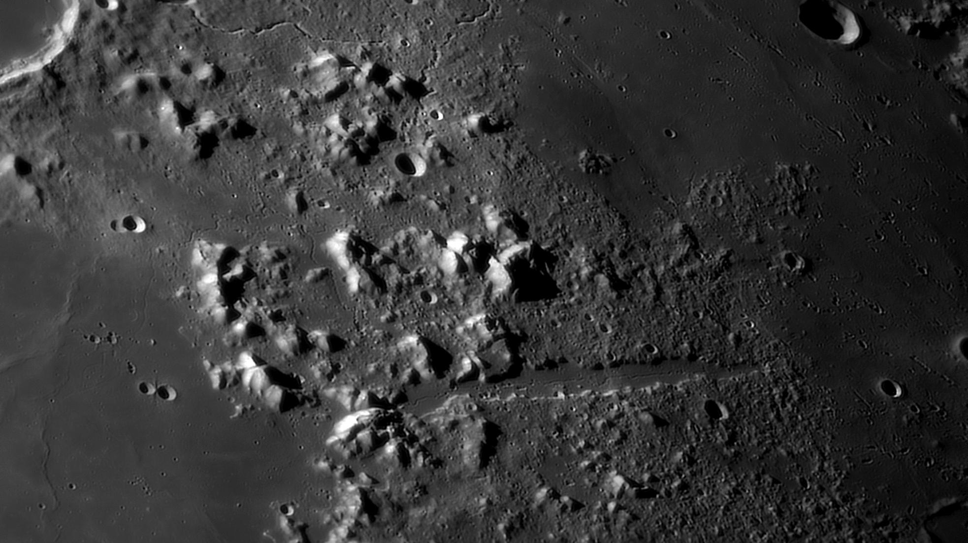 large.moon_20_09_2019_PLATON-TRAI.jpg.0ecbd9dafb30756f7a85d187b84a10a2.jpg