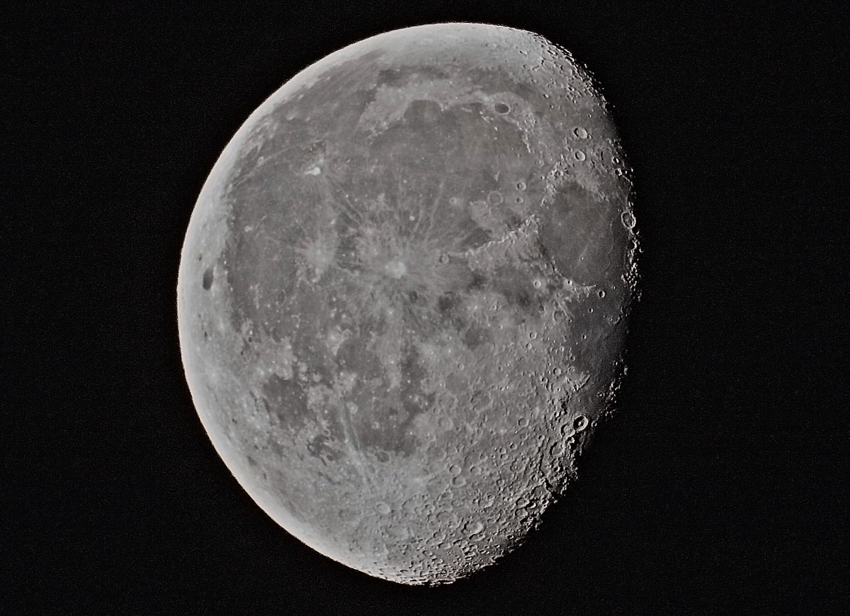 lune180919.jpg.5904262039bb60a78c9eaa11fa690813.jpg