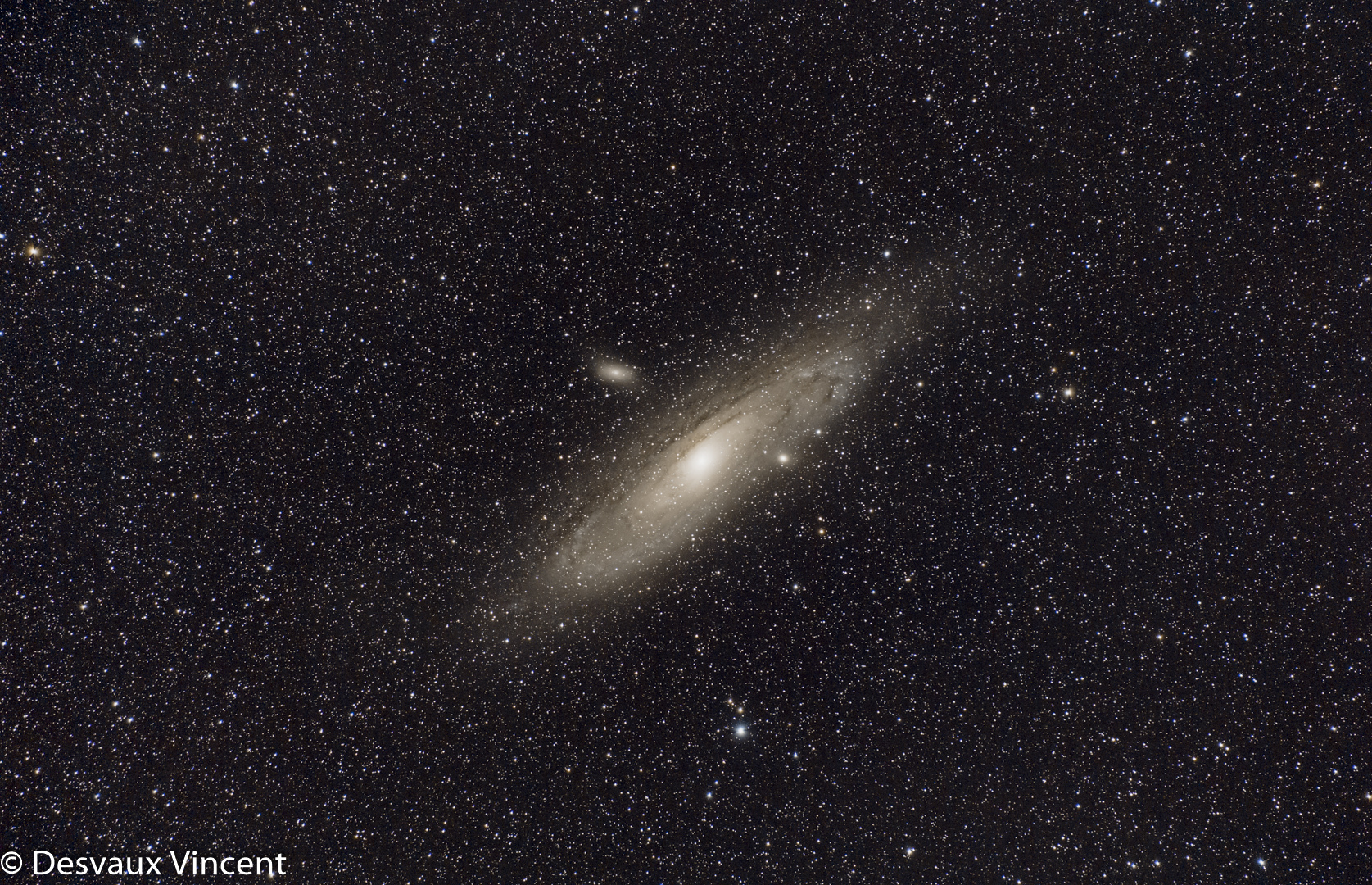 m31-124x60sec-3200iso-6d-70-300is-stm-300mm-f56-08-09-2019-ter-1080p.jpg