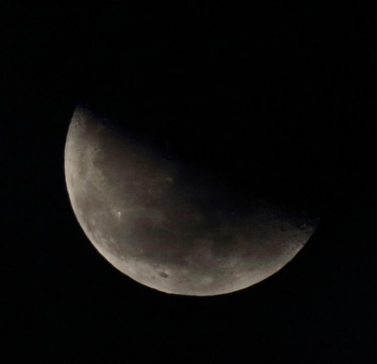 la lune le 22/09/2019 (41592rawjpeg1)