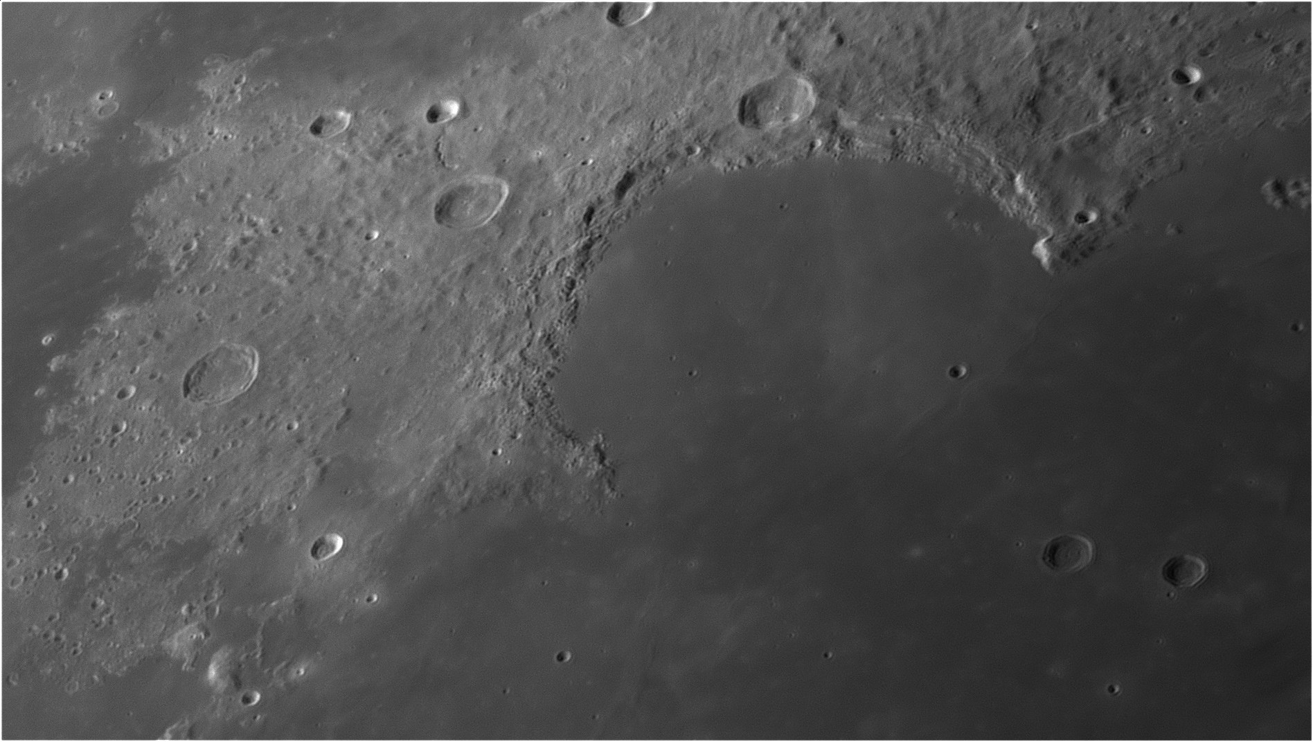 5d9646d892213_Moon_062852_210919_ZWOASI290MM_Rouge_23A_AS_P35_lapl6_ap862.jpg.fd856ea867bcfe12246db0bde58d8413.jpg