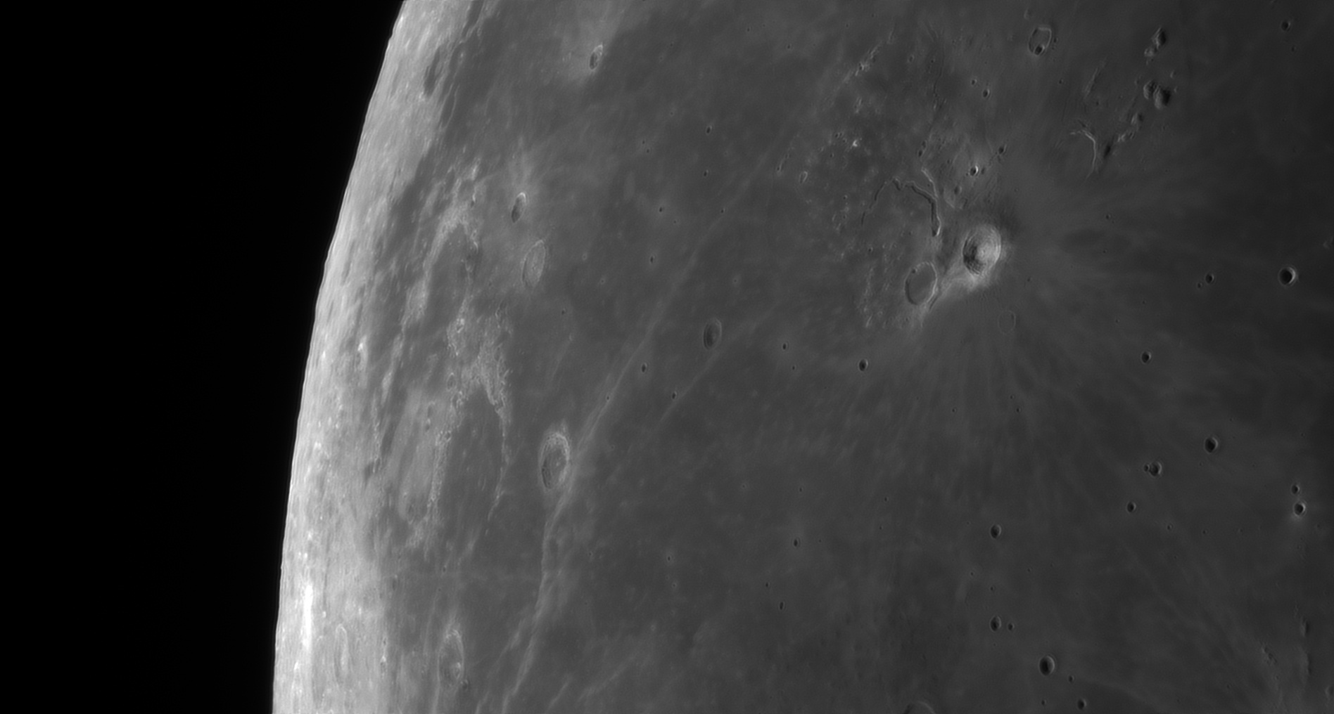 5d97a7910b1ed_Moon_060307_230919_ZWOASI290MM_Rouge_23A_AS_P40_lapl4_ap359.jpg.16ffaed375baeaf1a7abad2dfb04043b.jpg
