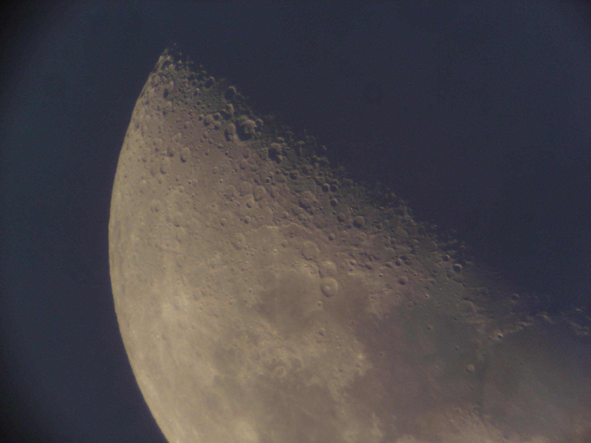 10 lune 150 newton nagler de 16 ou 9 a voir de plus pret2 .jpg