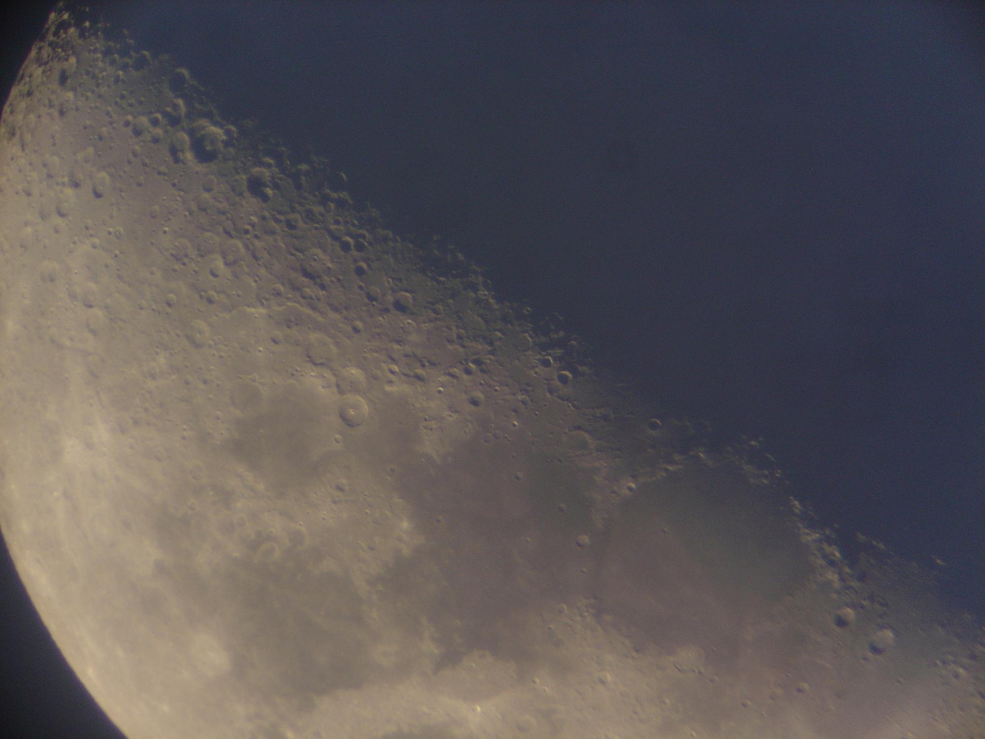11 lune 150 newton nagler de 16 ou 9 a voir de plus pret3 .jpg