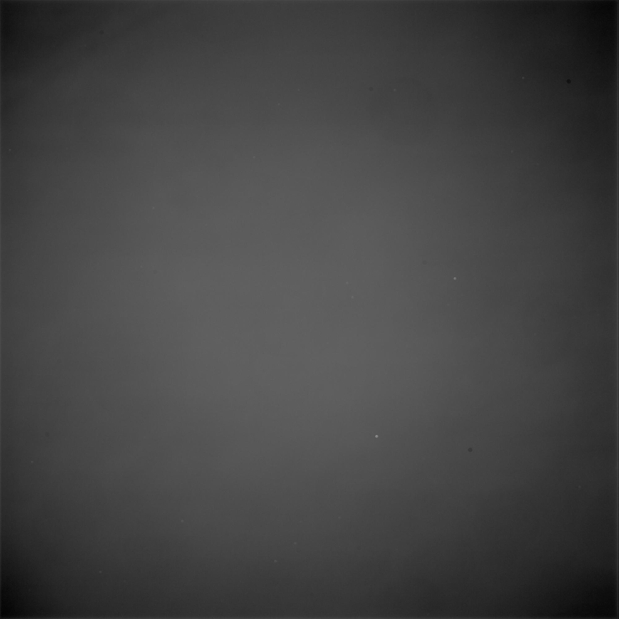 Flat_Red_3s_1x1_E_-20.03357.jpg