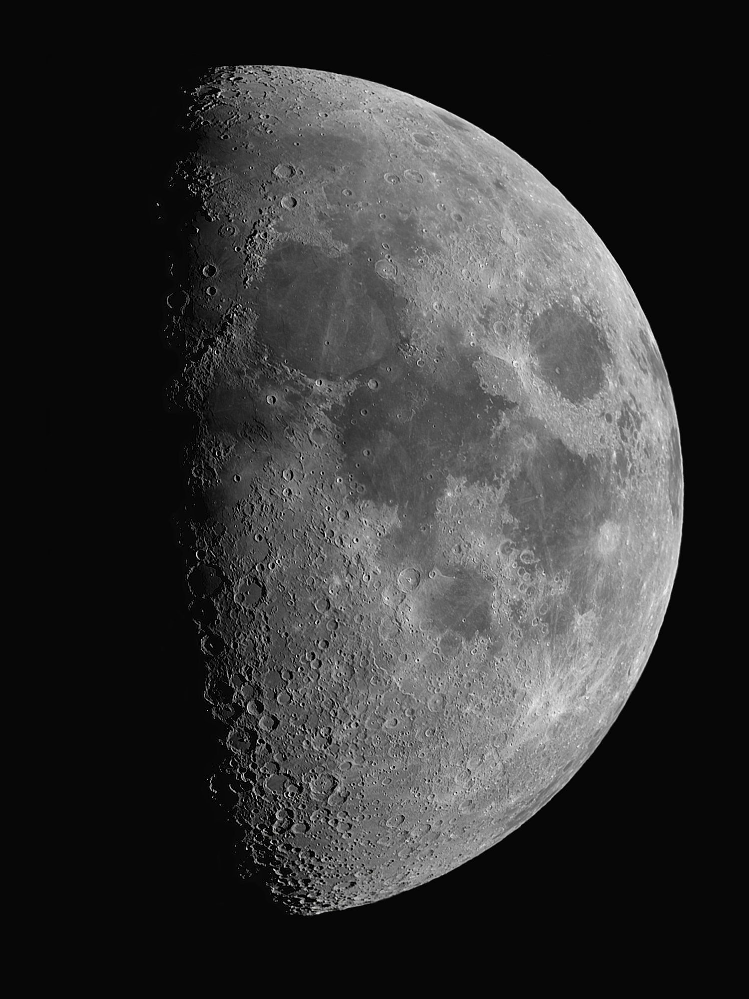 Lune.thumb.jpg.b47215d7435ecab358ed8501288ac9ff.jpg
