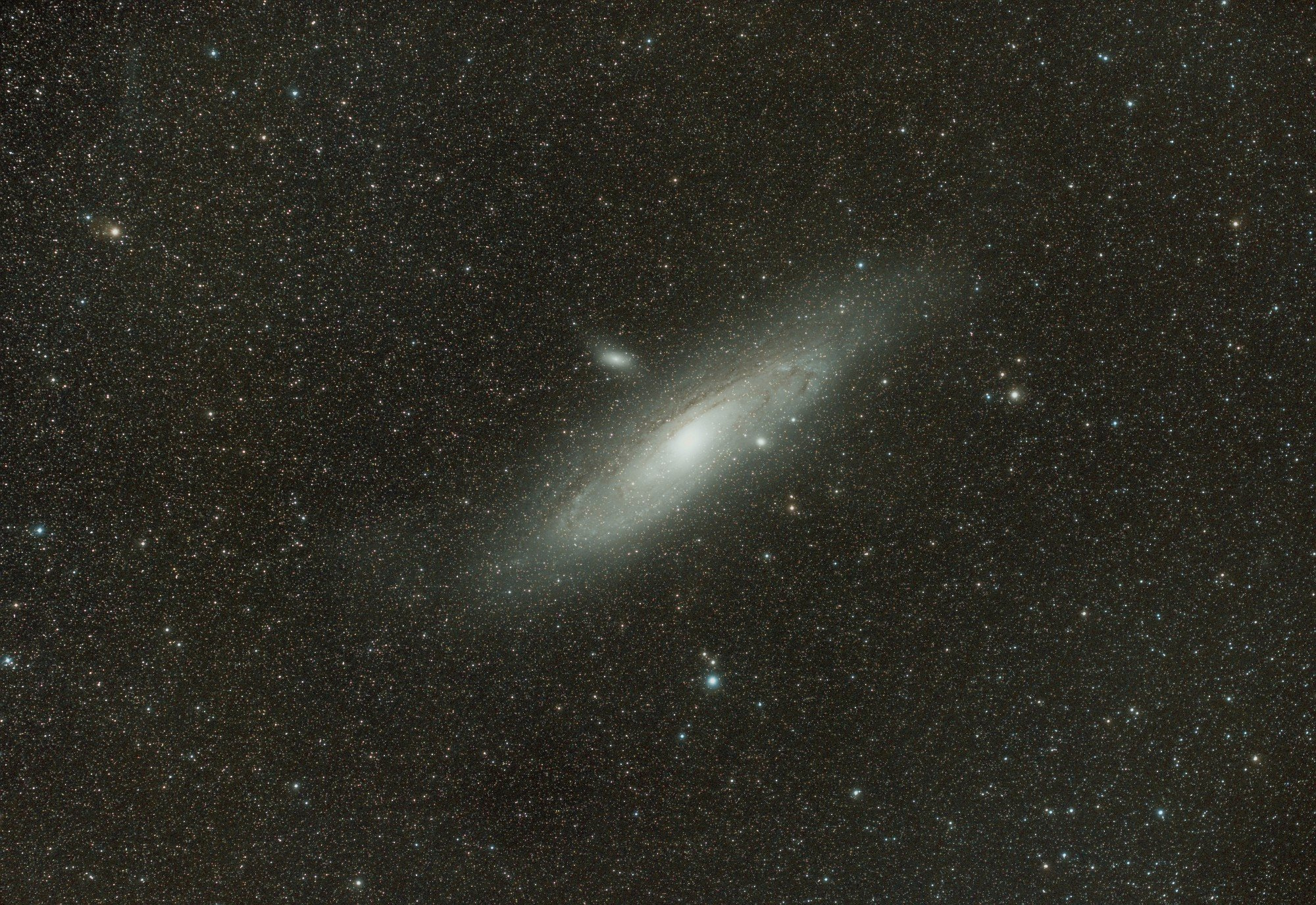 M31bis.thumb.jpg.a052e2f7c16d419e5dd3f9cb09ca1627_2scnr.jpg.20b5b2ea6b77ba94a47dd62ef3f7a2aa.jpg