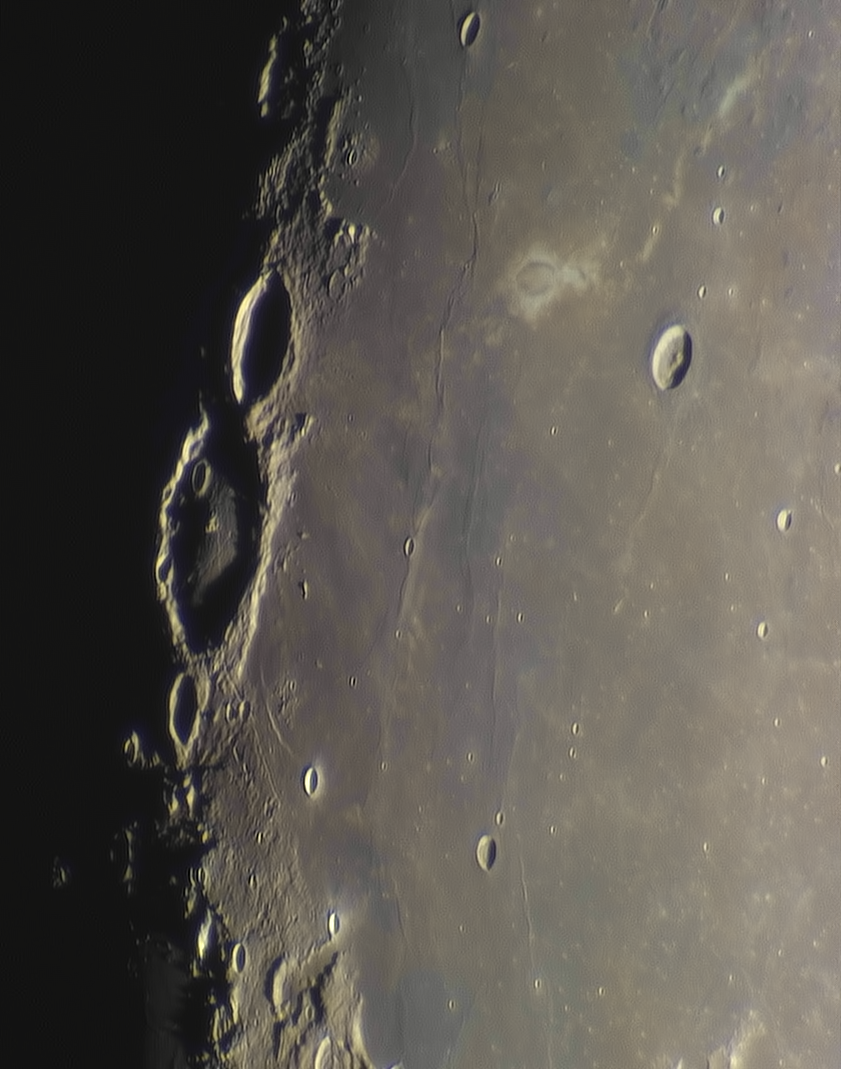 Moon_230748_N300x2-510ap40_grad6_ap1826-astra1-color.png