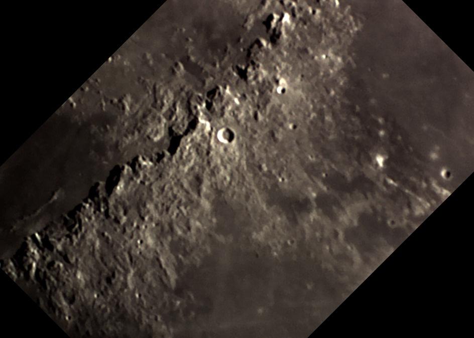 Moon_Apennins_oriented.jpg.4c65614f0c71f242ece7f159e41d12d4.jpg
