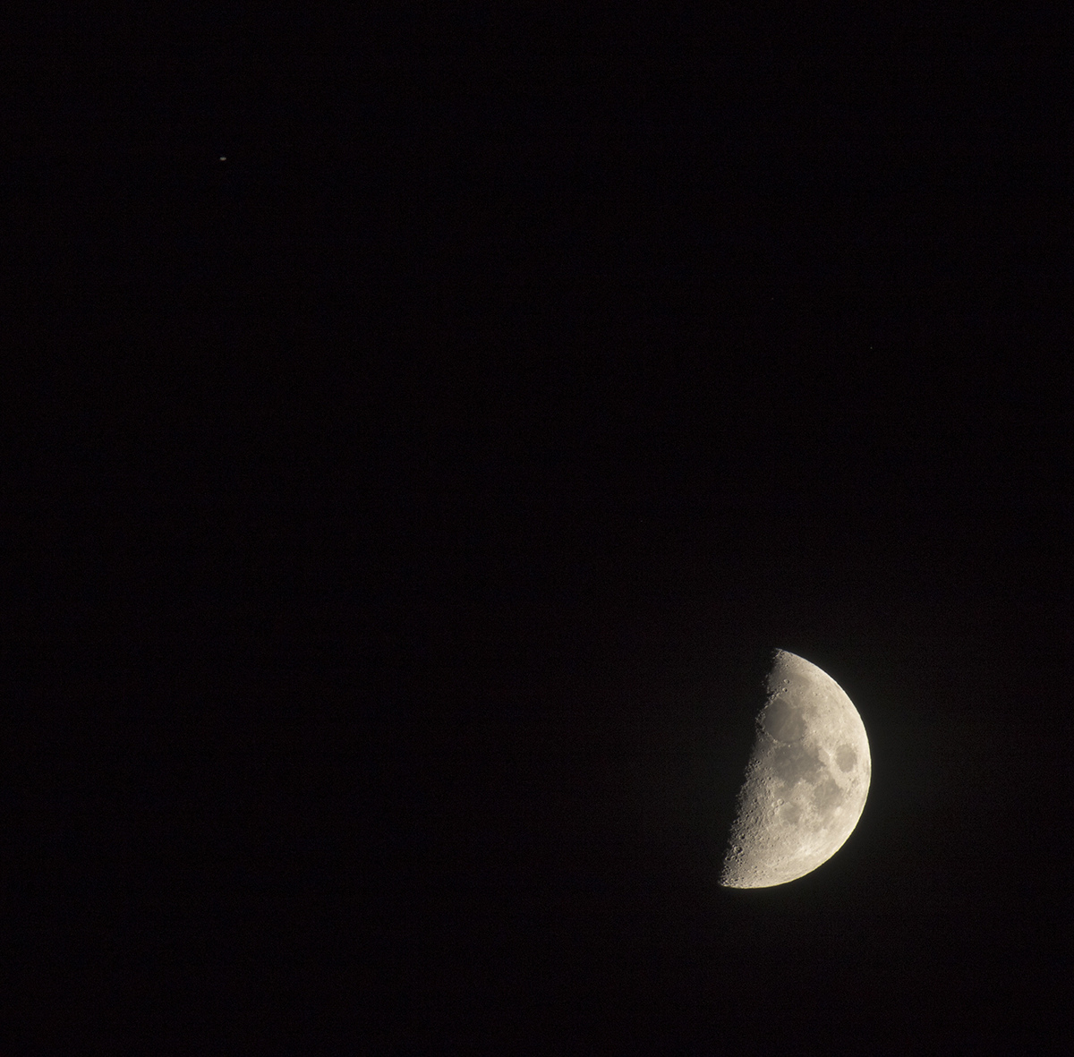 la lune le 04/10/2019  (42050raw jpeg)