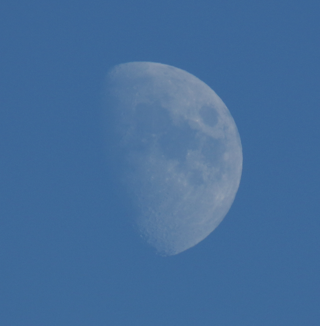 la lune le 07/10/2019 (42182 raw jpeg)