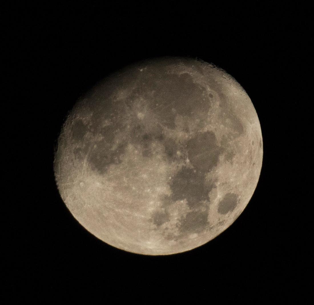 la lune le 11/10/2019 (42550 raw jpeg)