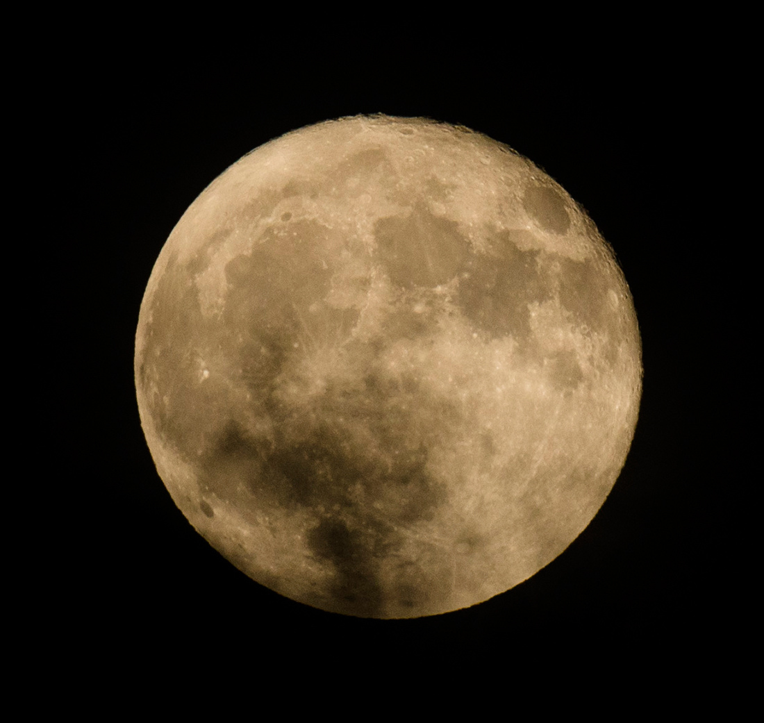 la lune le 14/10/2019 (42783raw jpeg)