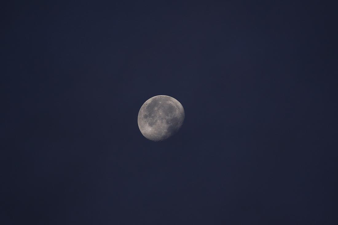 la lune le 17/10/2019 (43156raw jpeg) et au matin