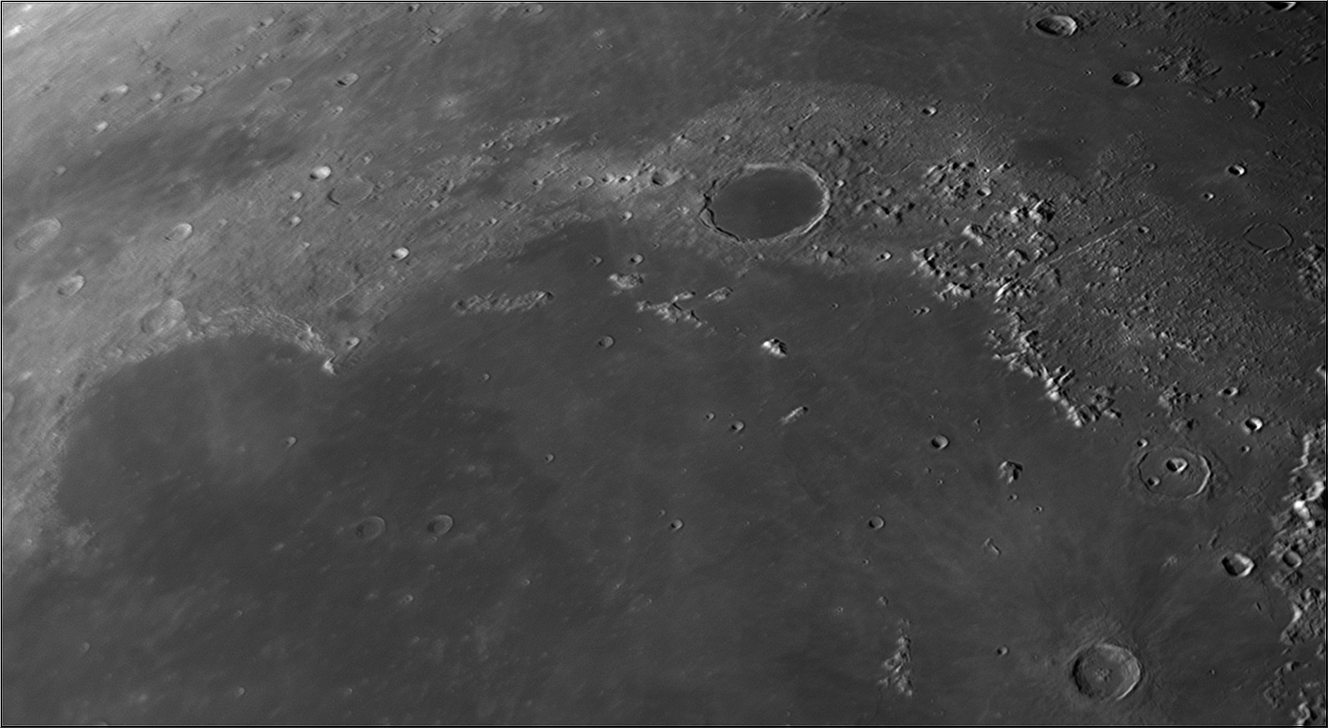5dd1bd64ef206_Moon_074005_171119_ZWOASI290MM_IR_650nm_AS_P30_lapl4_ap1050.jpg.11142ee259c07804ef1f348e5b8cf634.jpg
