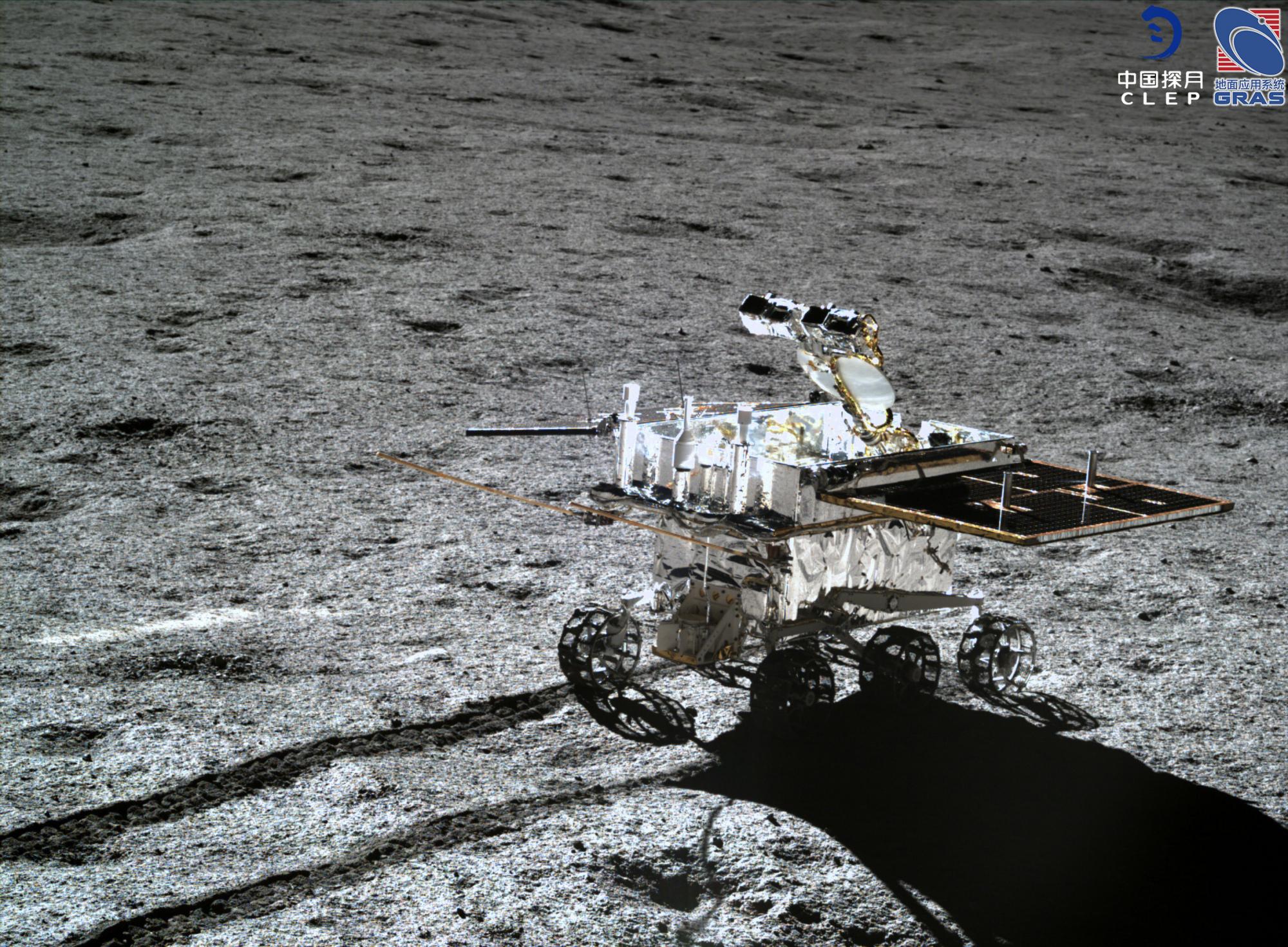 3前往D点途中的月球车.jpg