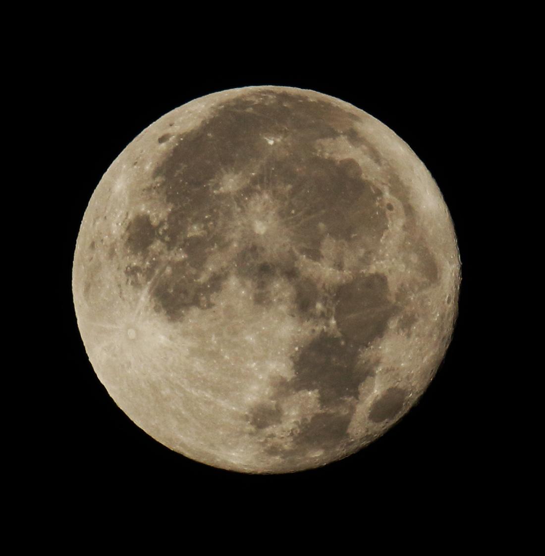la lune le 13/11/2019 (44418rj/44475 rj)