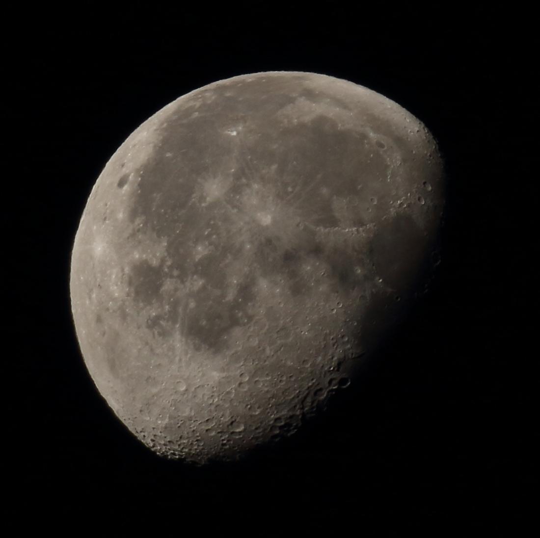 la lune le 17/11/2019 (44548rj)
