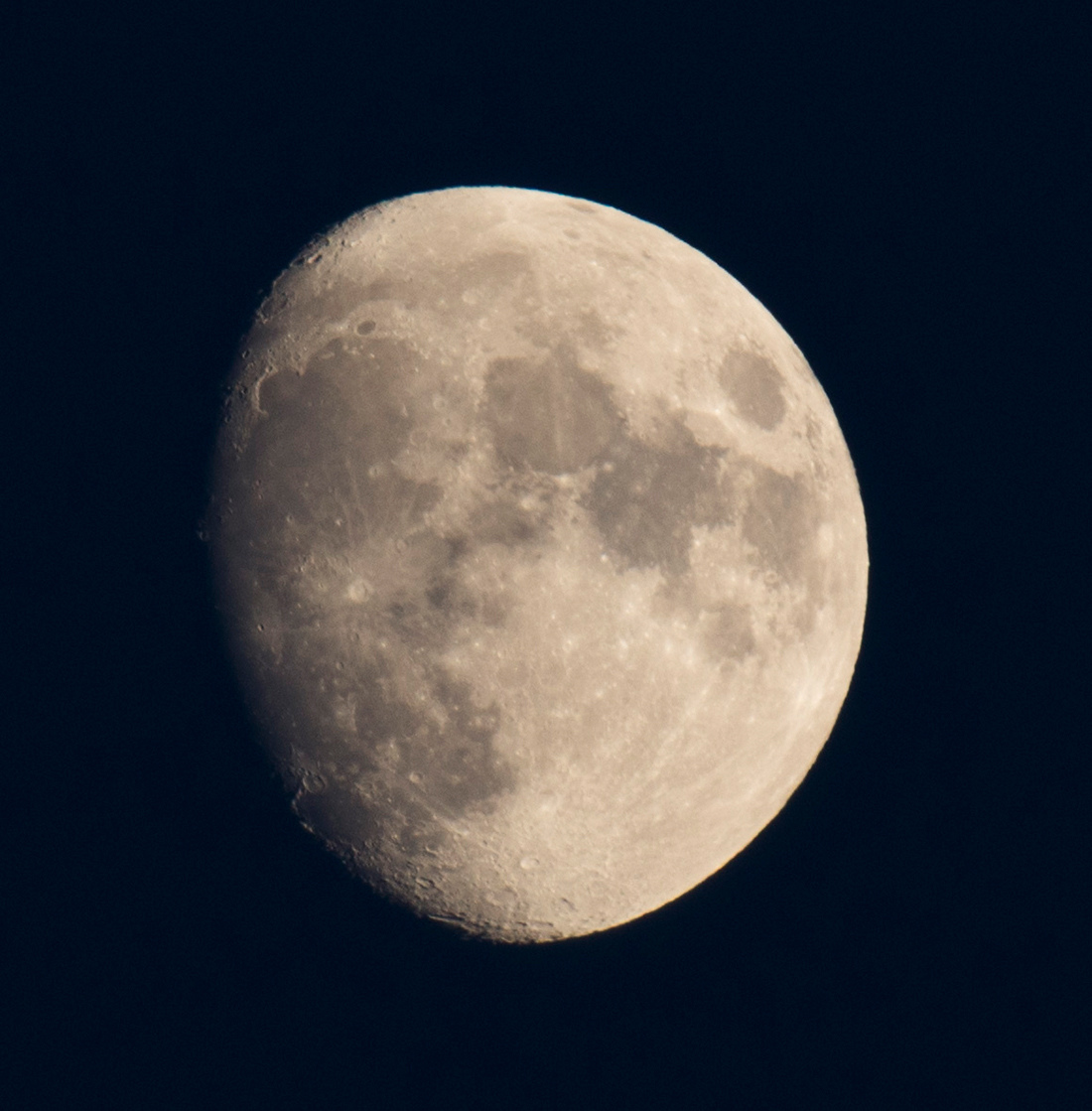 la lune le 08/11/2019(44066raw jpeg)
