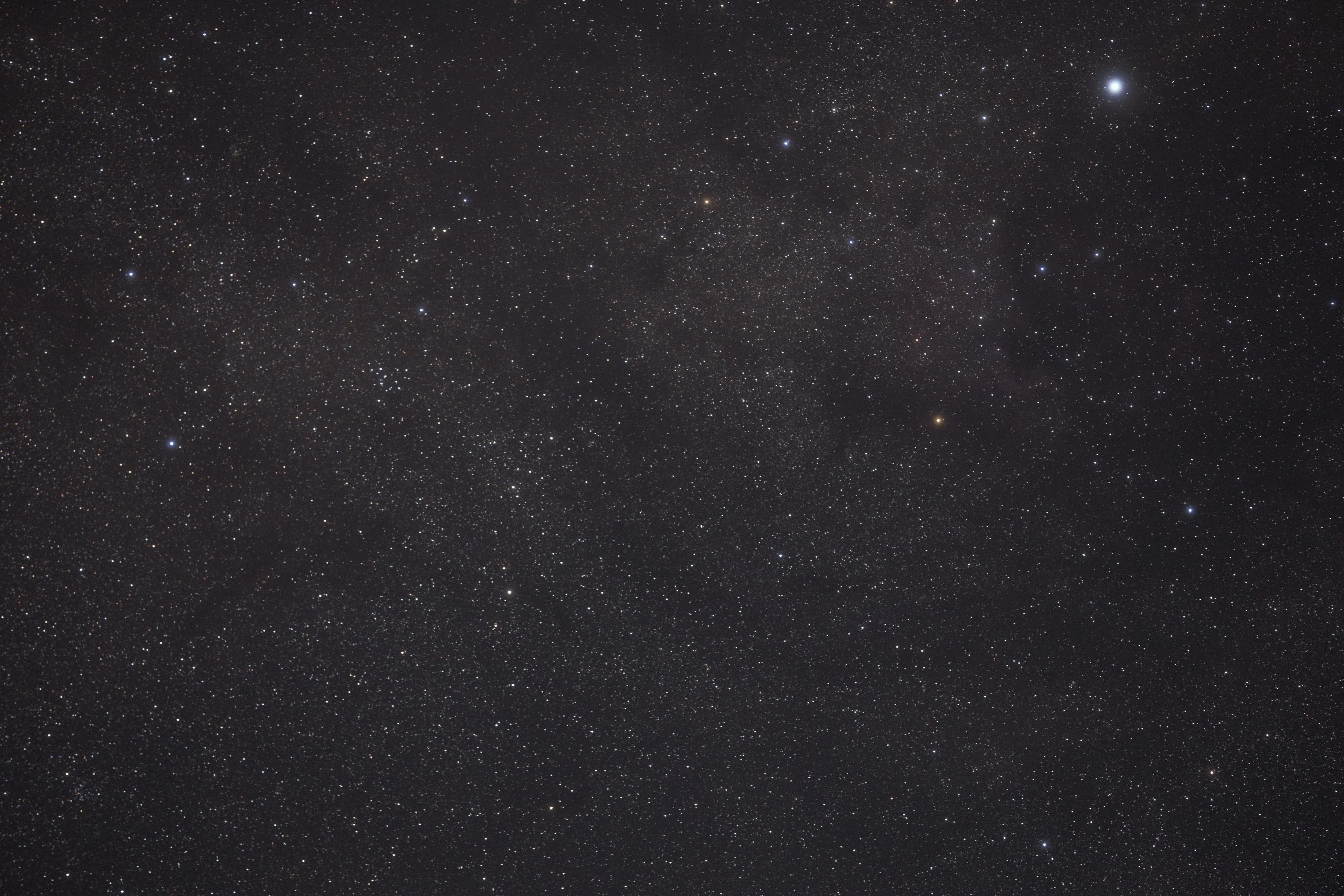 Dans la constellation du Cygne.jpg