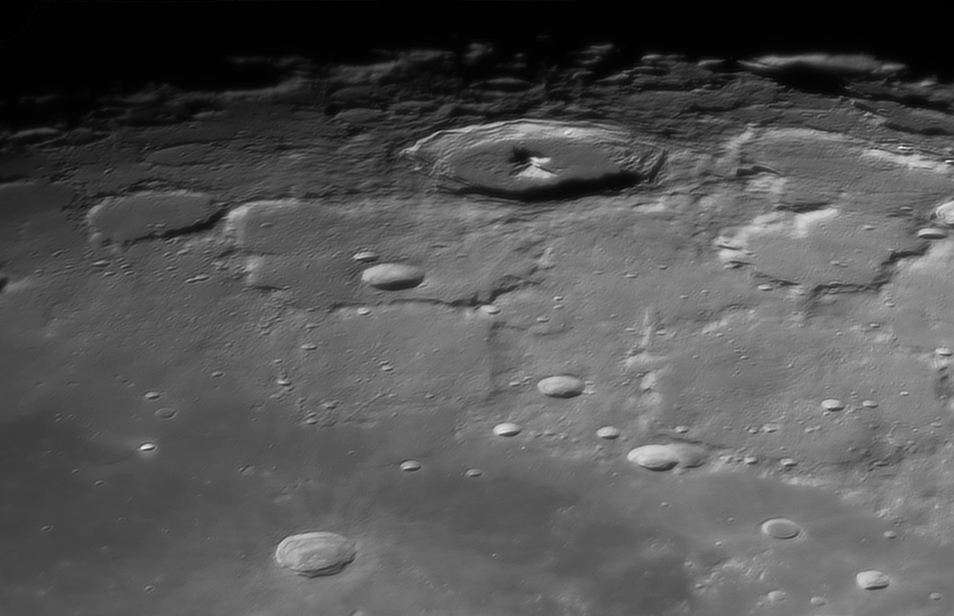 lune_10nov2019_21h05tu.jpg.6efdd45810e053b6b5cbf975ec8376a4.jpg