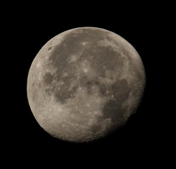 la lune le 15/11/2019 (44484/95)