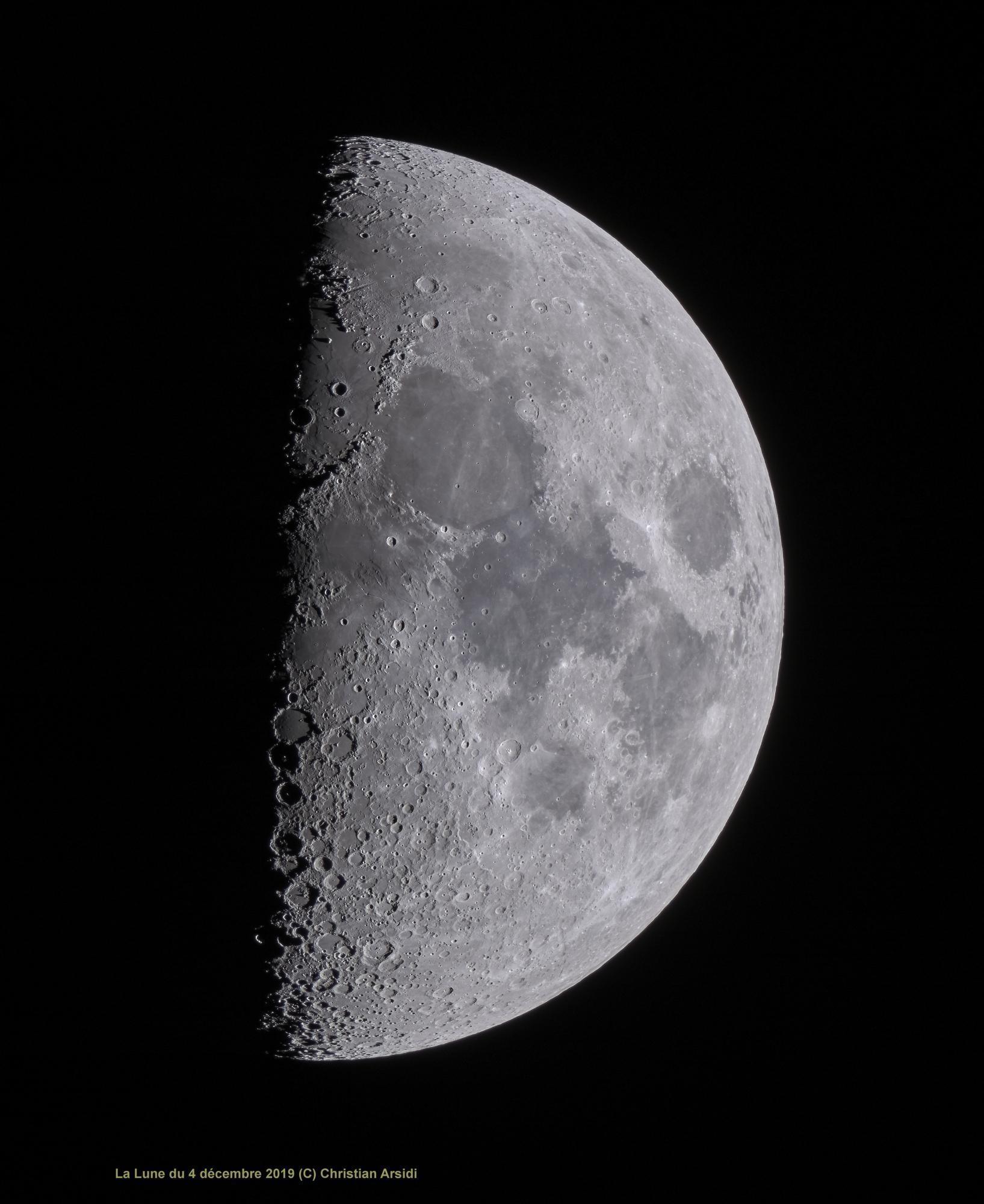 La_Lune_25_images_V1_recadrée_DxO_1_JPEG_11Mo.jpg
