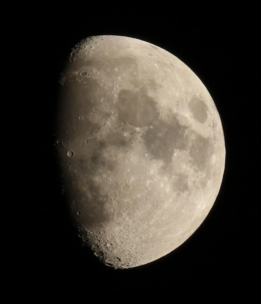 la lune le 06/12/2019 (45056AI2)