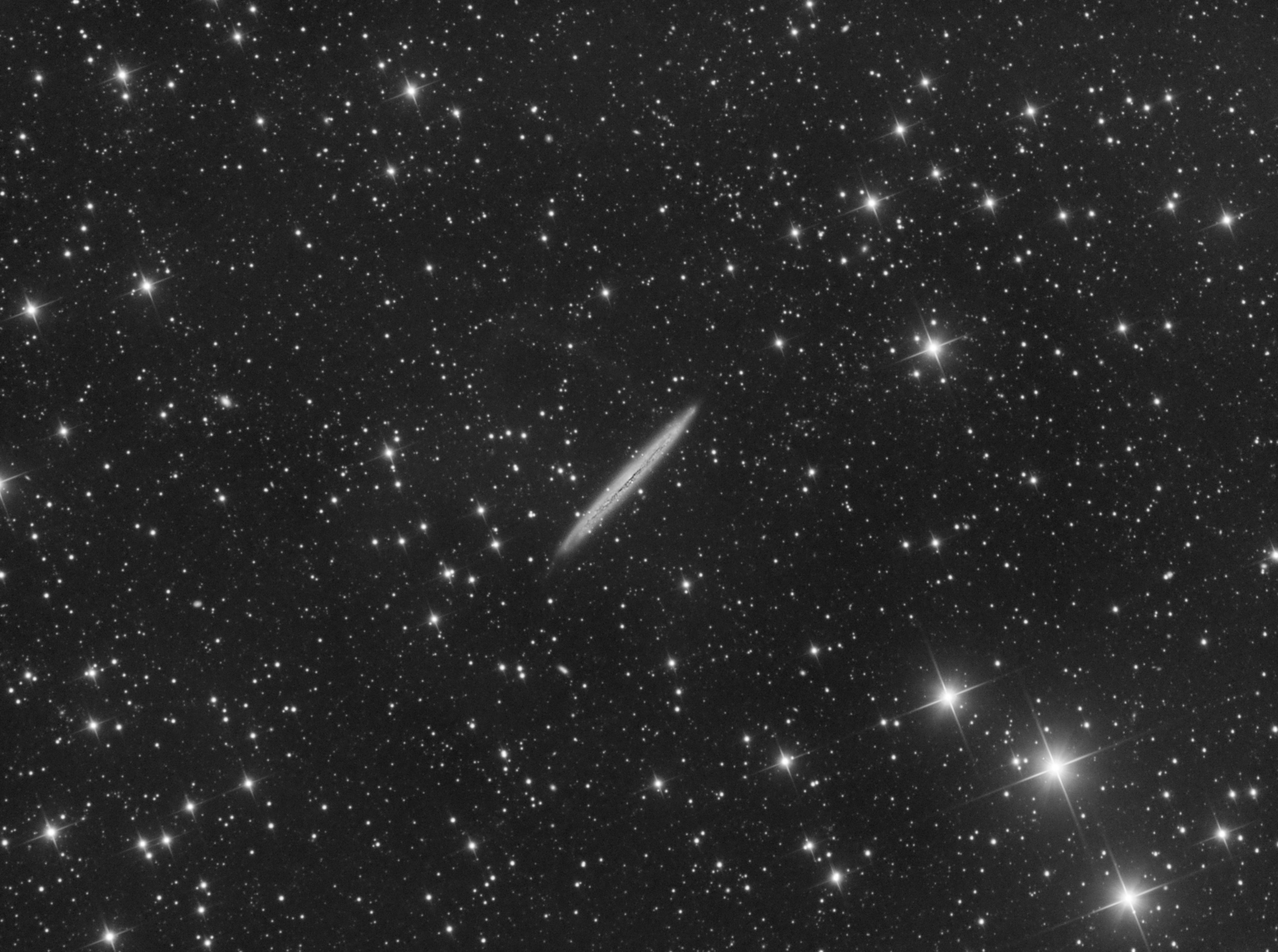 NGC 5907 galaxie de l'Echarde ou du Tranchant.jpg