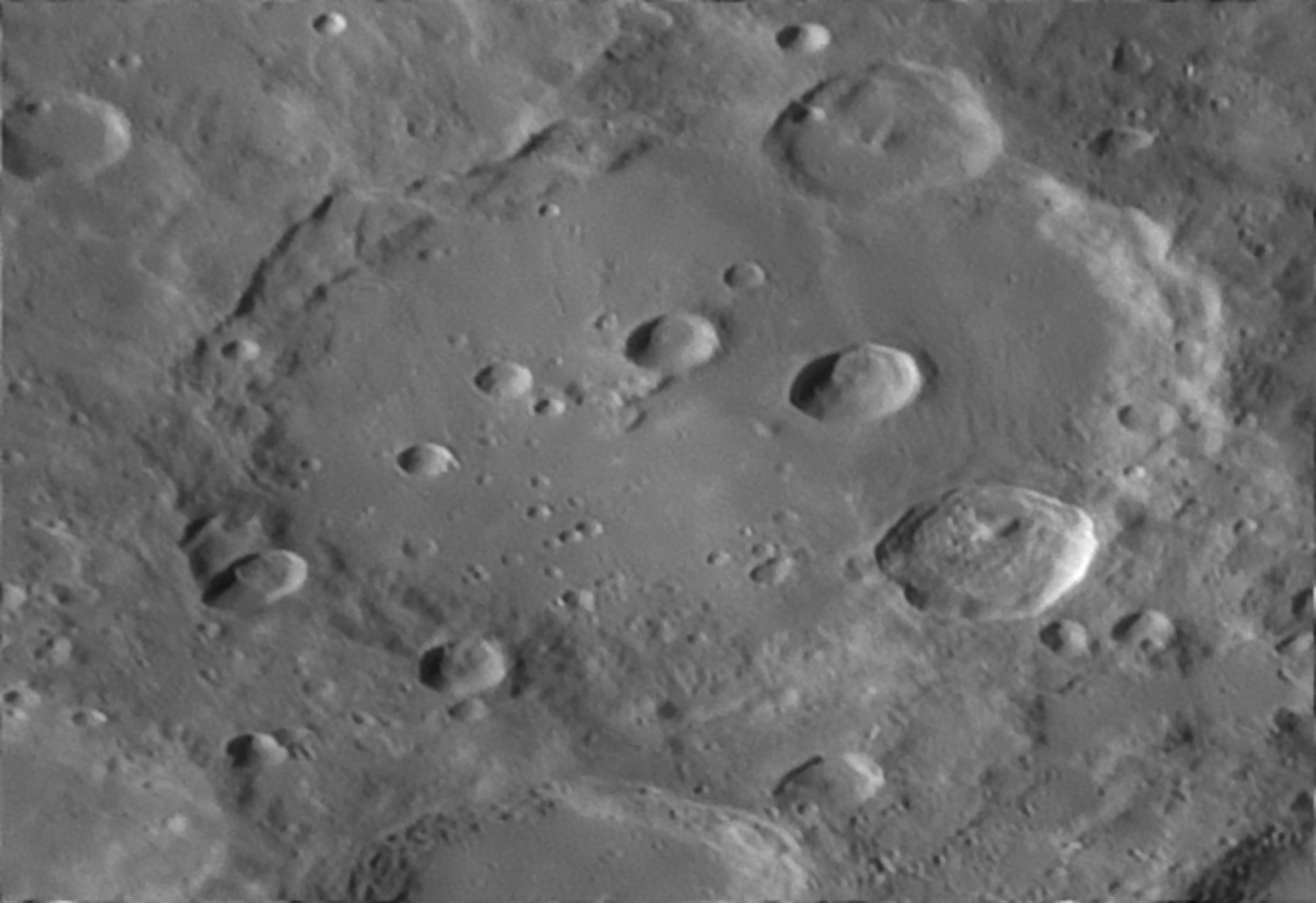 5e311cbcc5705_Moon_060347_150120_ZWOASI290MM_Rouge_23A_AS_P35_lapl6_ap514.jpg.44f899ed759b4dacee44d8aed18c0827.jpg