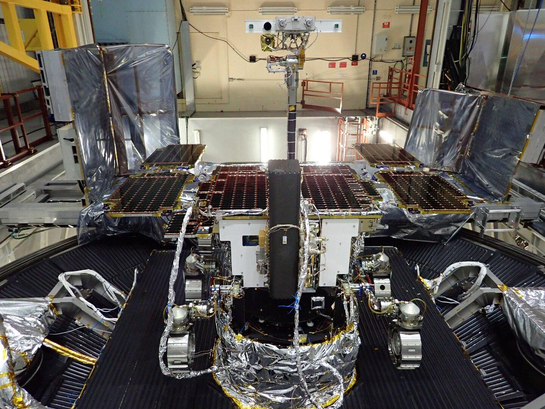 ExoMars_Rover_completes_environmental_tests_pillars.jpg