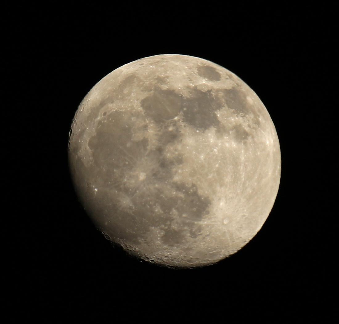 la lune le 08/01/2020 (6866AI1)