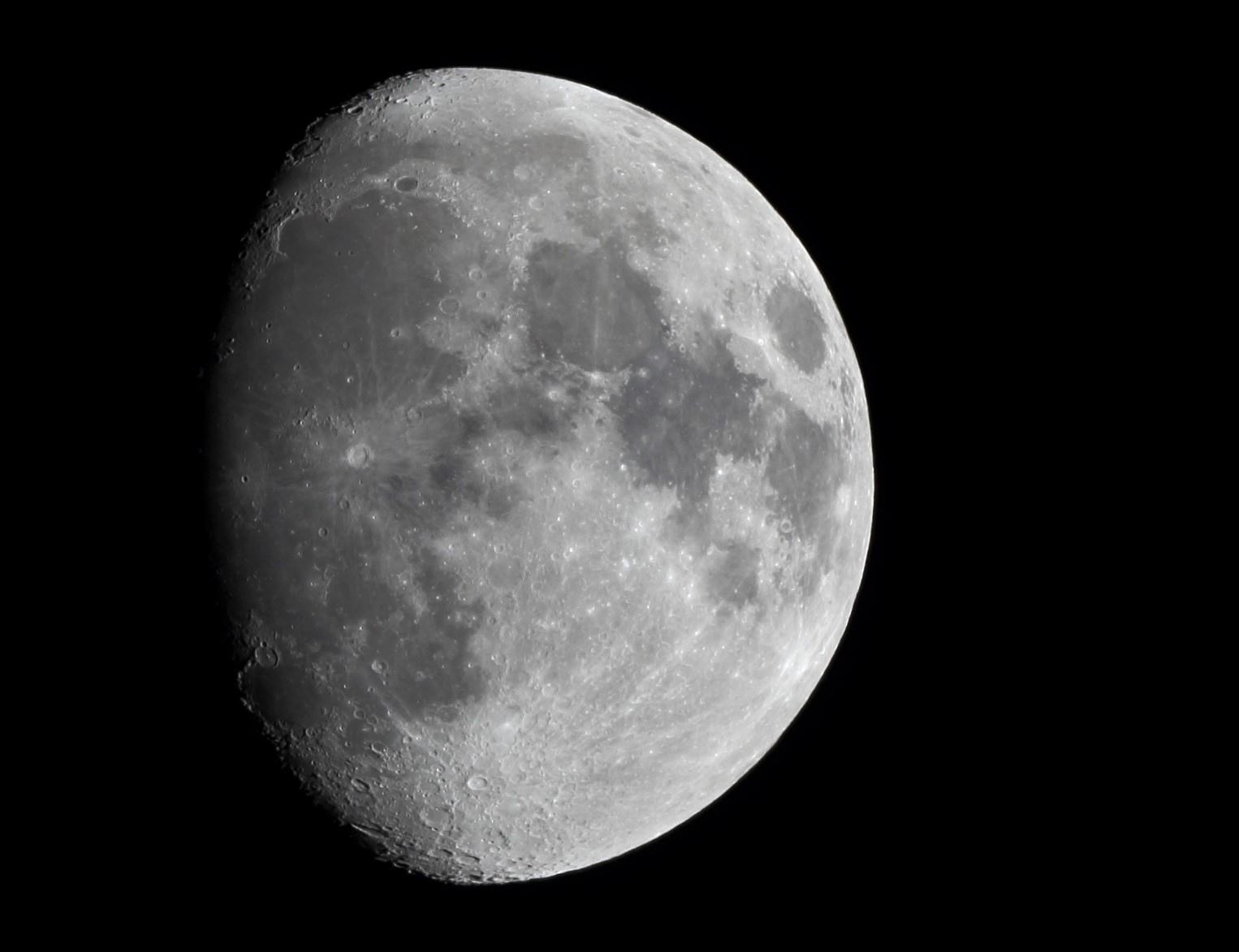 Le 6 janvier 2020, lune de 10 jours