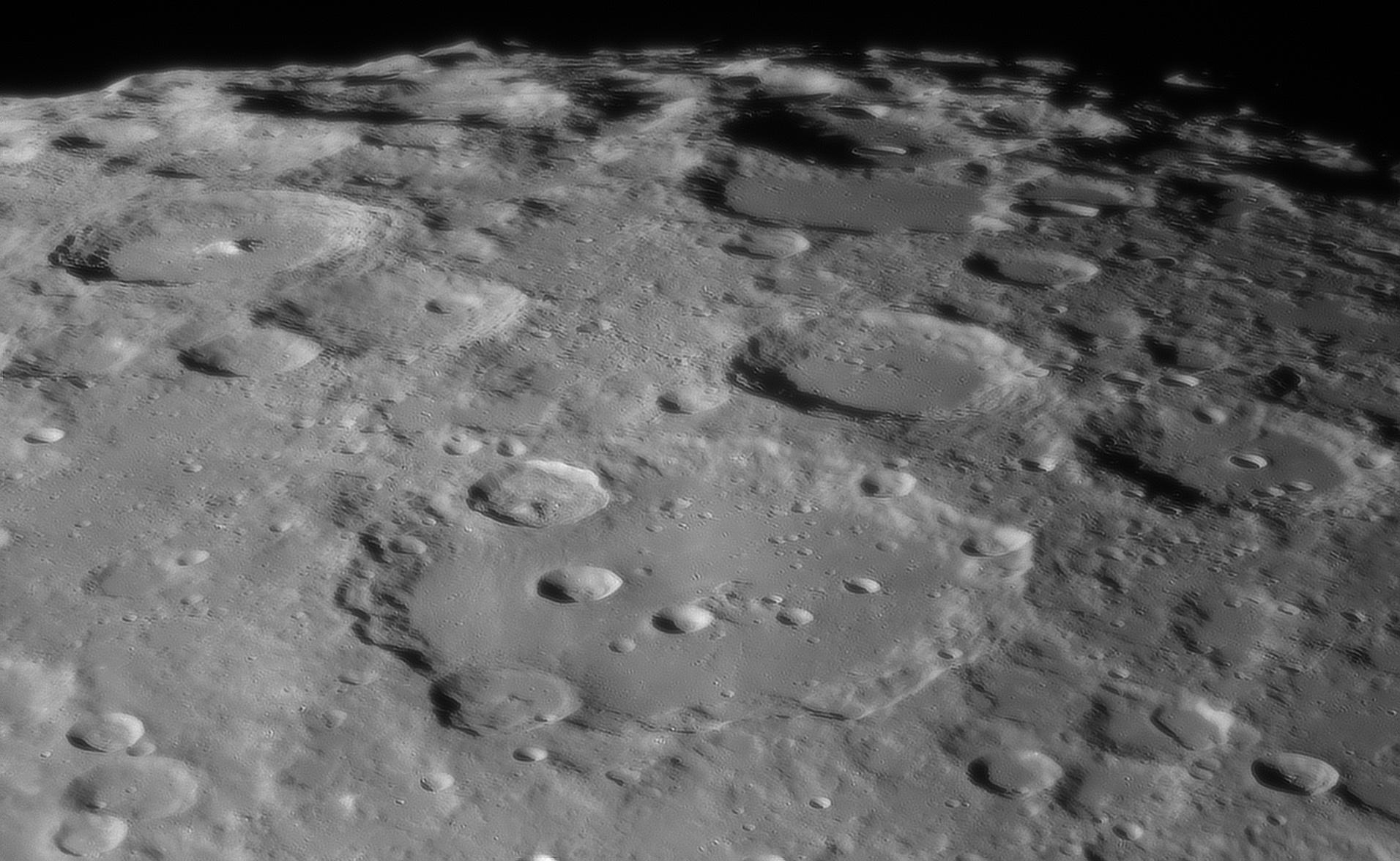 lune_clavius_6janvier2020_20h55tu.jpg.7b42e655cee8e2247e8c9c03a38dd1f8.jpg