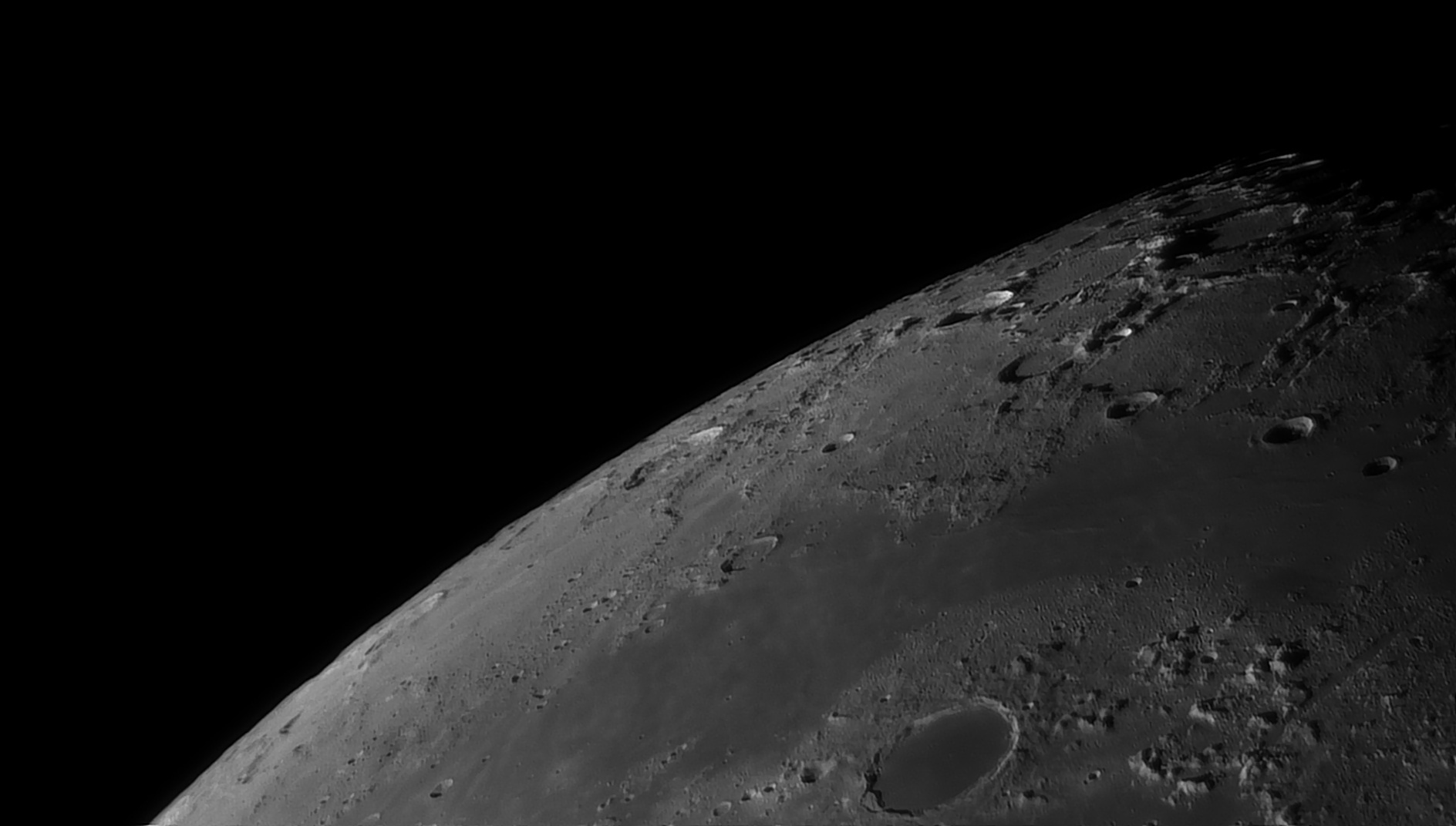 5e5194775aa36_Moon_055316_160120_ZWOASI290MM_Rouge_23A_AS_P35_lapl6_ap484_AI_Deconvolution_1--.jpg.164e1d0bba86b0f4d29c5c2fd4622ca2.jpg