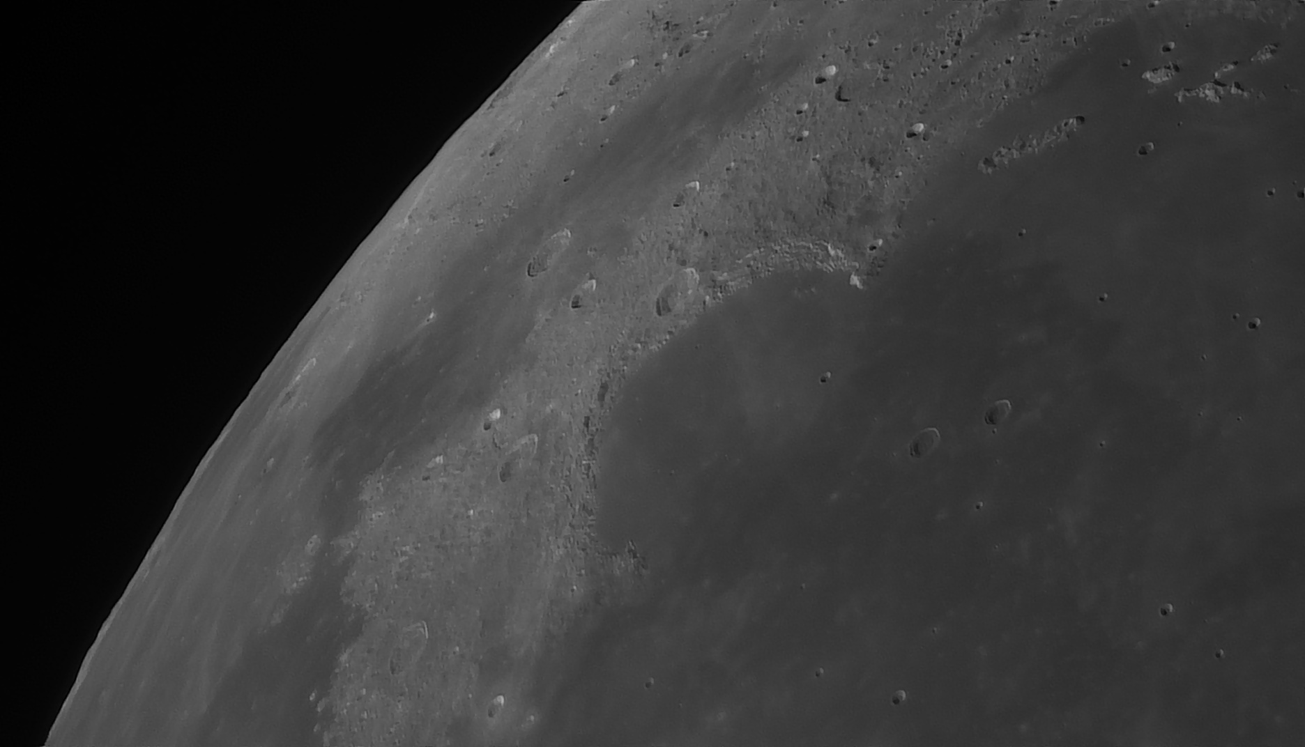 5e5194fd1fb7b_Moon_055112_160120_ZWOASI290MM_Rouge_23A_AS_P35_lapl6_ap890_AI_Deconvolution_6--.jpg.0773c761360aa2f07b924c5111162d34.jpg