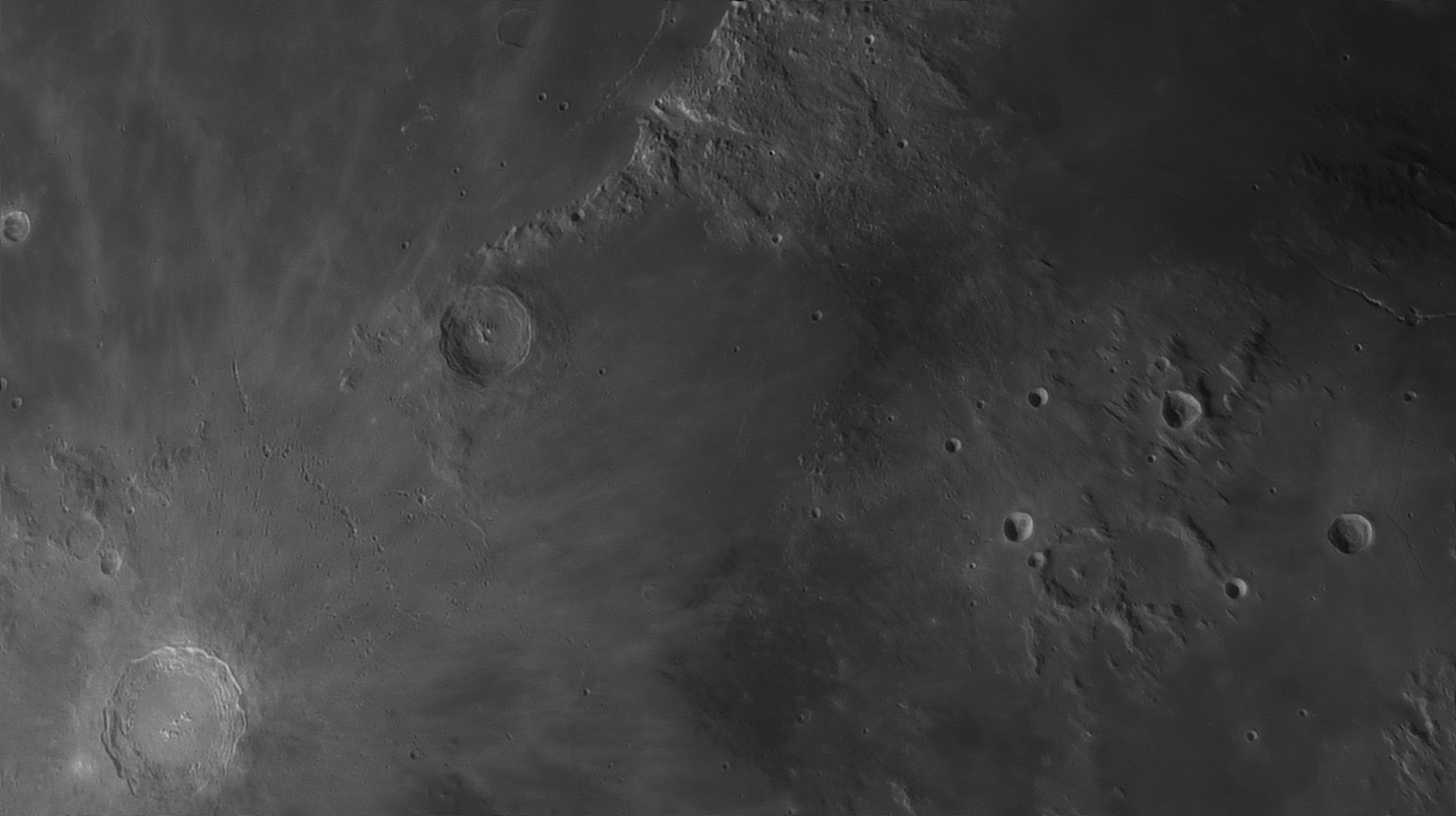 5e51956bf1278_Moon_054840_160120_ZWOASI290MM_Rouge_23A_AS_P35_lapl6_ap1067_AI_Deconvolution_11--.jpg.5f7f467effda4d964b3bd86c104c4ce3.jpg