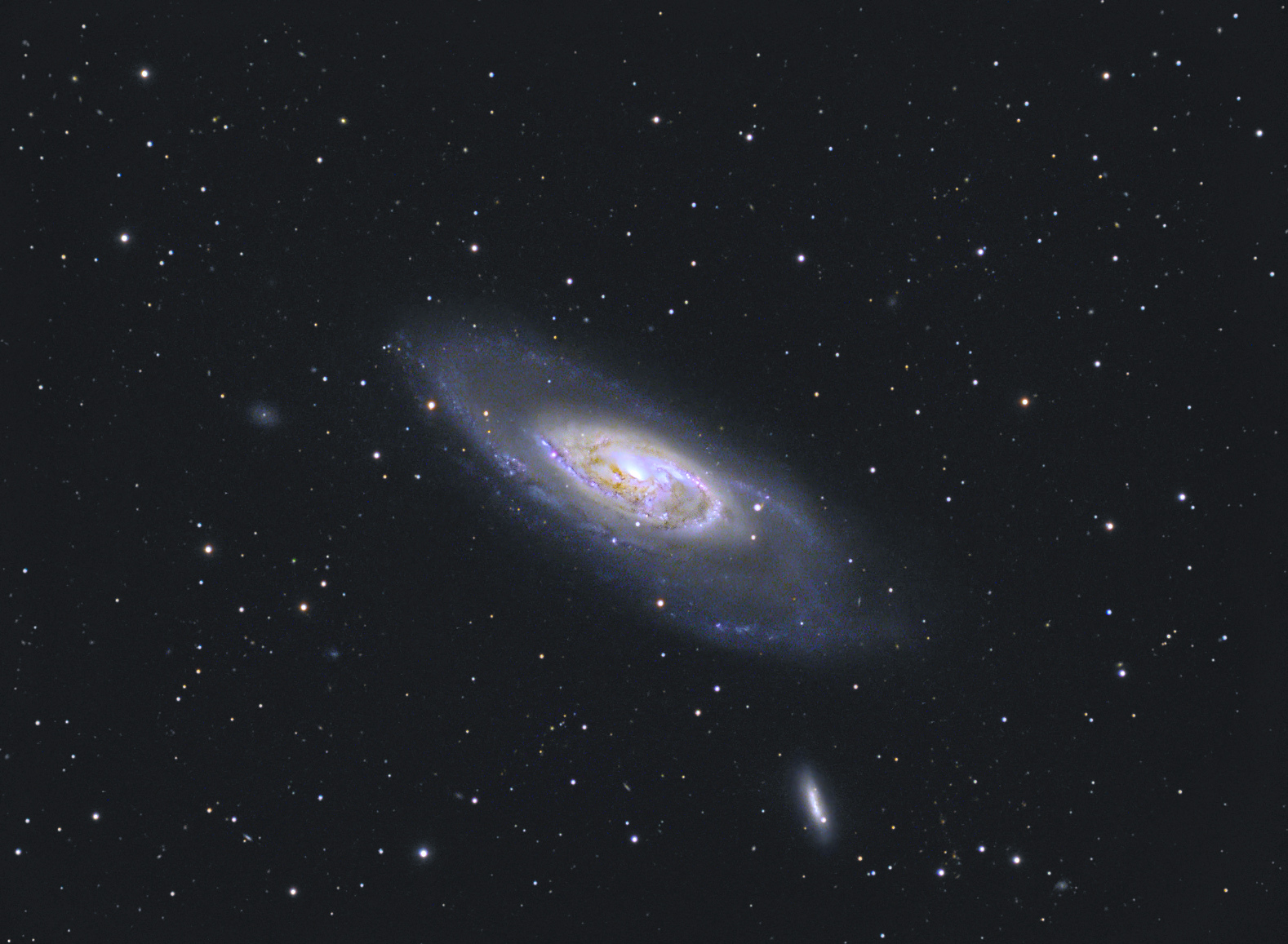 M 106 LRVB.jpg