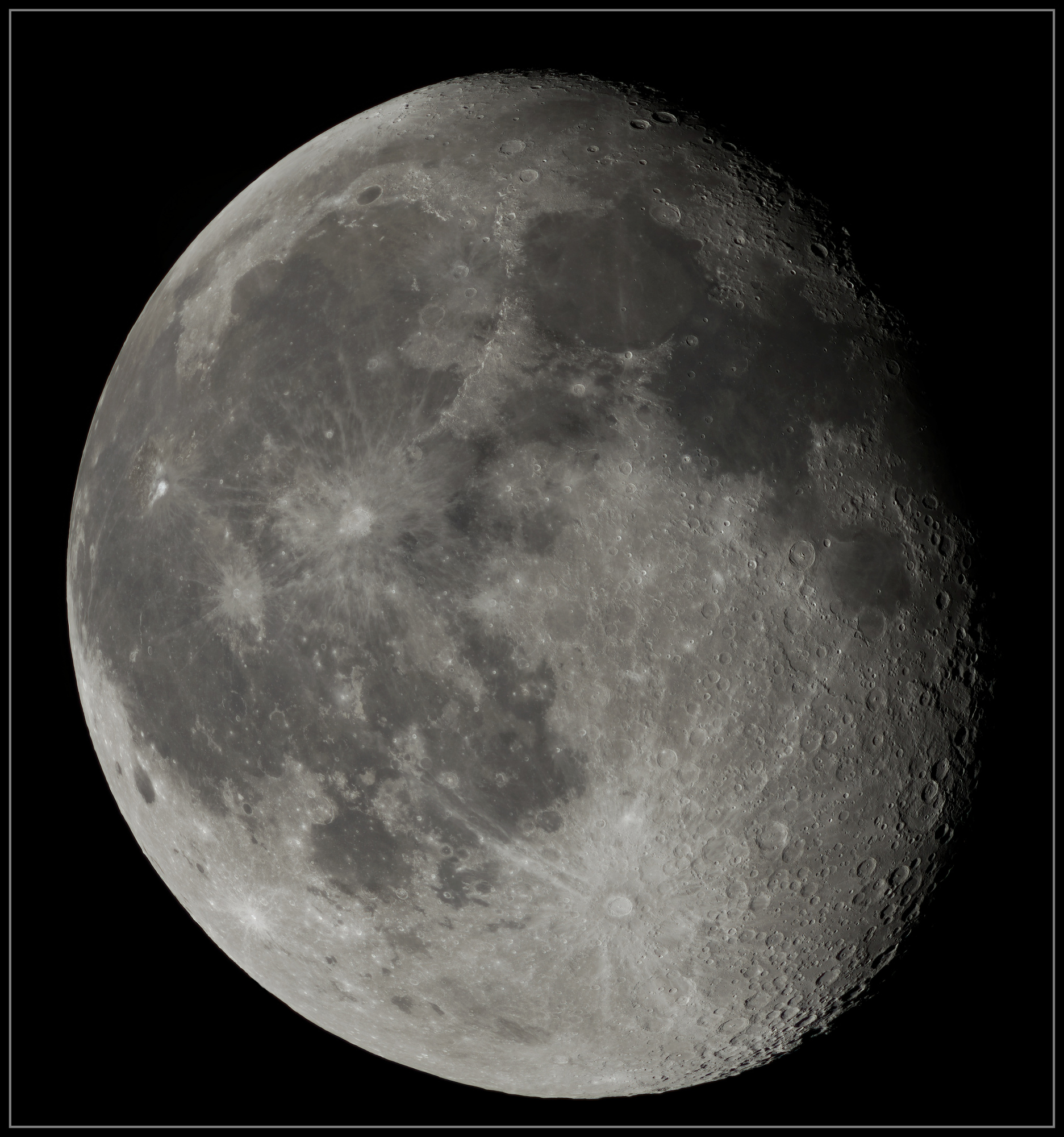5e56c8b28722f_Moon_054330_120220_ZWOASI224MC_RGB_AS_P25_lapl4_ap325_stitch-sharpen-sharpen-finale.thumb.jpg.22e764d7c6ff930275f807f4dce46eae.jpg