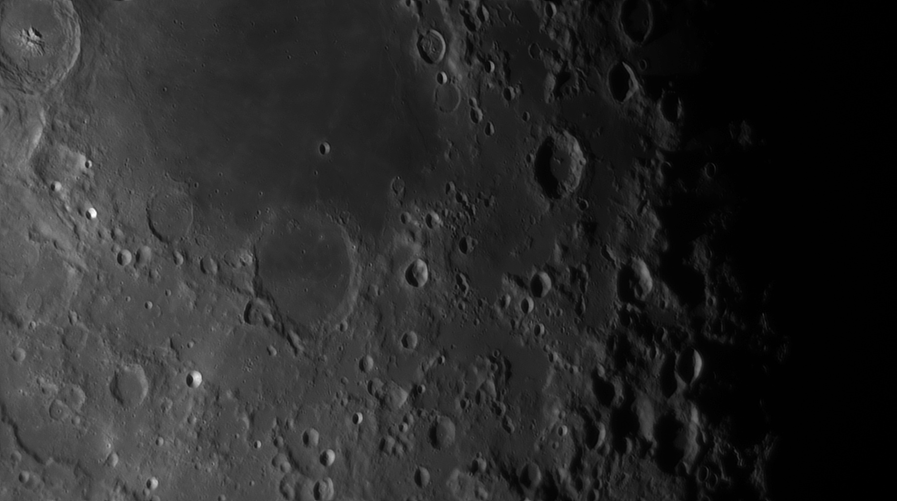 5e56c943a21c5_Moon_055601_120220_ZWOASI290MM_IR_742nm_AS_P30_lapl4_ap1131_AI_Deconvolution_13.jpg.42104cdad08963ec2fb7e8ddc6a1437f.jpg
