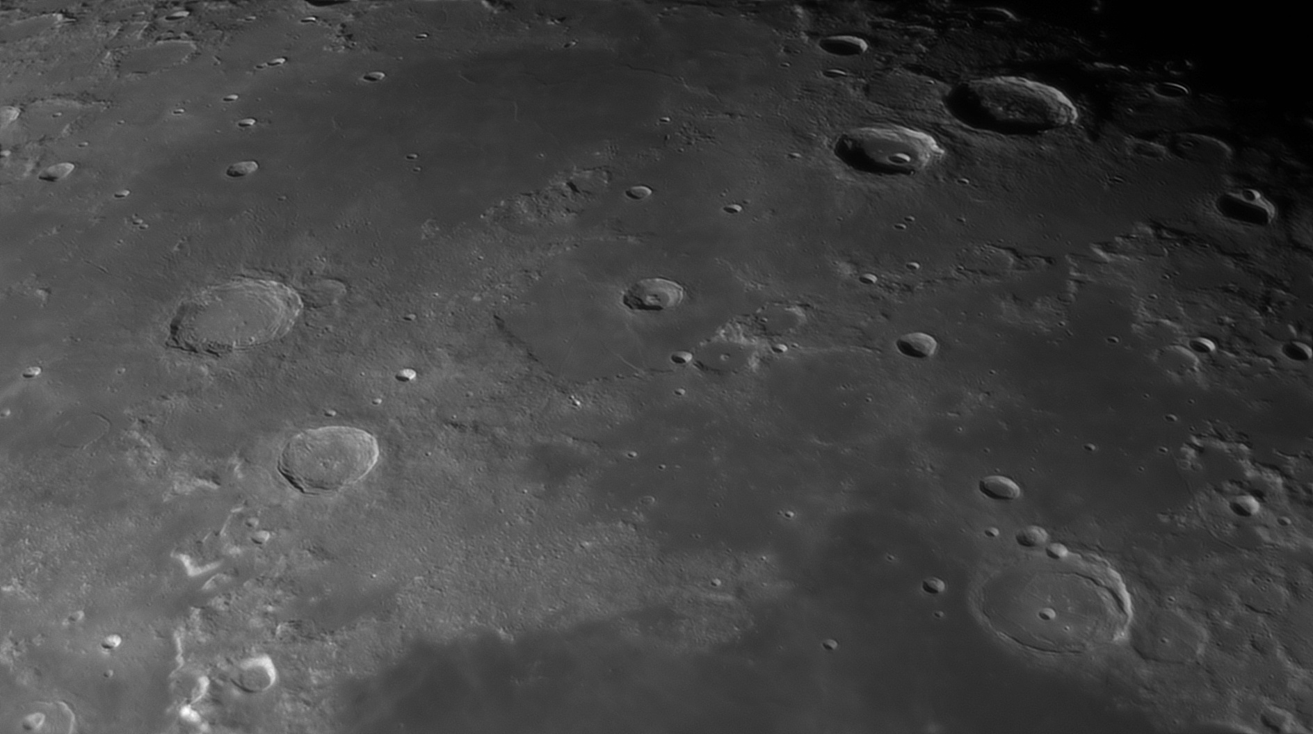 5e56c97770d7f_Moon_060005_120220_ZWOASI290MM_IR_742nm_AS_P30_lapl4_ap1349_AI_Deconvolution_5.jpg.b4e7f6f6a5cd8898aebedf8ccf1b2b04.jpg